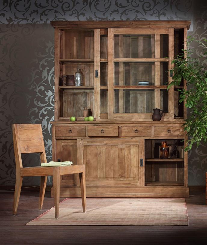 Шкаф BarumПосудные шкафы<br>Популярный массивный посудный шкаф, богатая фактура натурального тика, стильные раздвижные двери с латунной фурнитурой, функциональные ящики делают его незаменимым в любой столовой или на кухне.<br><br>Material: Тик<br>Width см: 160.0<br>Depth см: 50.0<br>Height см: 210.0