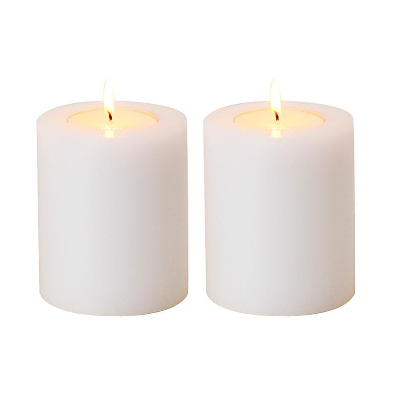 ПодсвечникПодсвечники<br>Artificial Candele Set of 2 - набор из двух подсвечников. Имитация большой свечи.&amp;amp;nbsp;<br><br>Material: Пластик<br>Height см: 12<br>Diameter см: 10