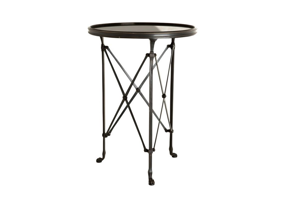 СтолПриставные столики<br>Столик с оригинальным дизайном St Etienne выполнен из пушечной бронзы. Столешница из мрамора.<br><br>Material: Металл<br>Height см: 71<br>Diameter см: 52