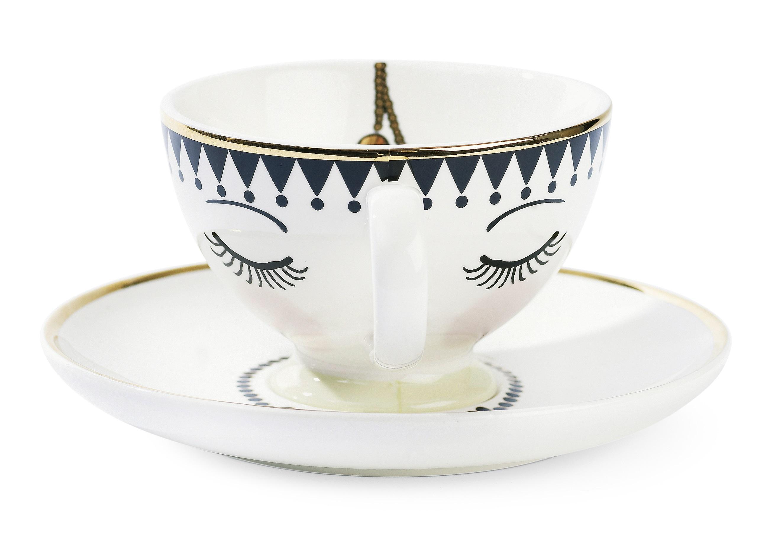 Чайная параЧайные пары, чашки и кружки<br>Чайная пара от Miss Etoile представляет собой дуэт из чашки и блюдца. Она станет не только стильным украшением кухни, но и приятным поводом для радости. Чайная пара от Miss Etoile соединяет в себе необычное решение обыденных вещей и изящное исполнение этой задумки! Ее приятно держать в руках, на нее приятно смотреть, из нее приятно пить любимый напиток! Эта милая кружка выглядит женственно и изящно, в сочетании с ароматным чаем и круассаном она создаст настроение булочной Парижа.&amp;amp;nbsp;&amp;lt;div&amp;gt;&amp;lt;br&amp;gt;&amp;lt;/div&amp;gt;&amp;lt;div&amp;gt;Объем 250 мл.<br><br>&amp;lt;/div&amp;gt;<br><br>Material: Керамика<br>Высота см: 8