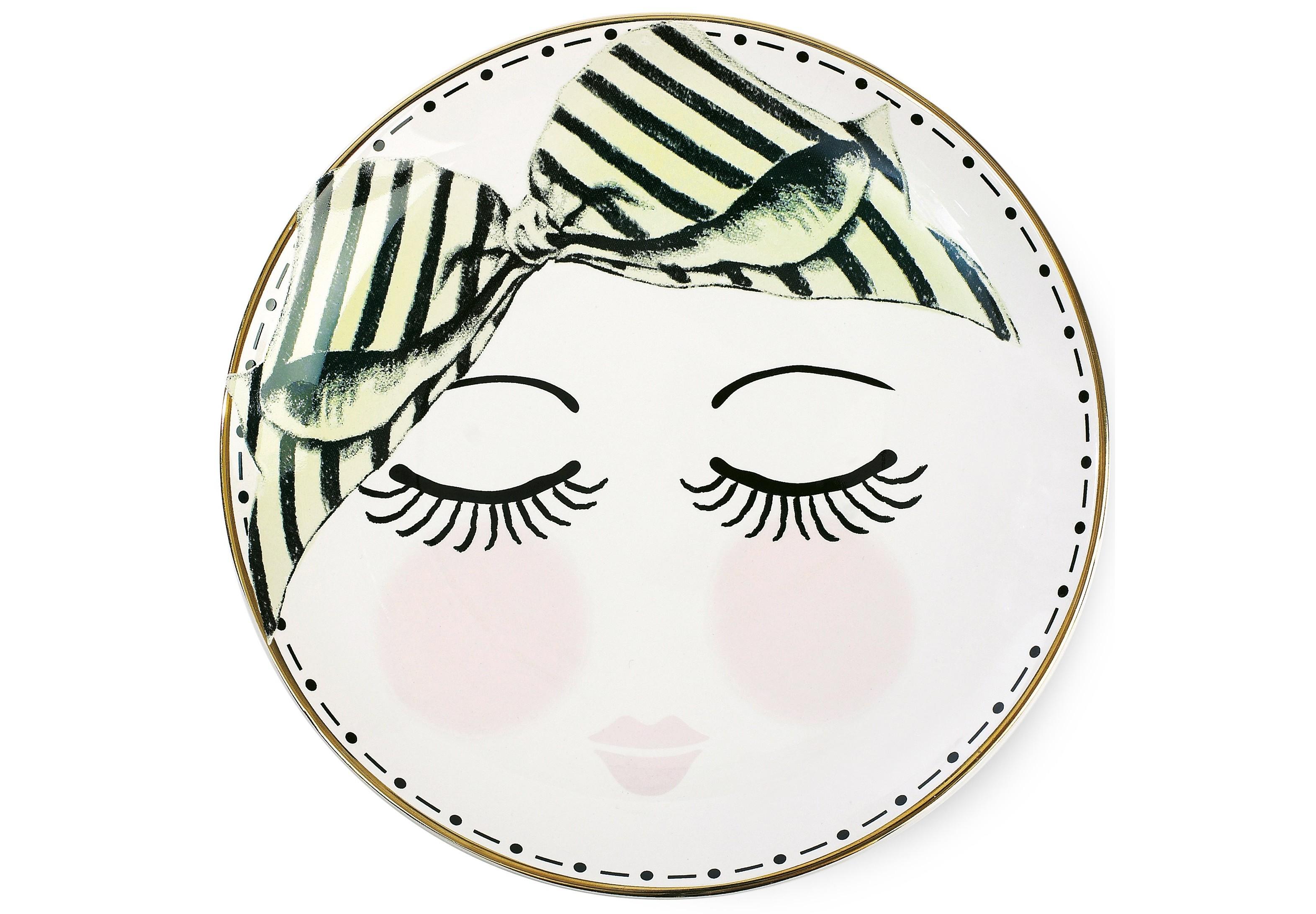 ТарелкаТарелки<br>Тарелка от Miss Etoile с очаровательным бантиком и глазками отражает бережное отношение создателей бренда к деталям. Эта тарелка непременно украсит ваш интерьер, обратит на себя внимание и окажется главным акцентом в сервировке стола. Окружая себя такими приятными мелочами, мы вносим в нашу жизнь атмосферу сказки и хорошего настроения! Тарелка от Miss Etoile обязательно станет роскошной изюминкой в интерьере вашей кухни!<br><br>Material: Керамика<br>Length см: None<br>Width см: None<br>Depth см: None<br>Height см: 2<br>Diameter см: 17