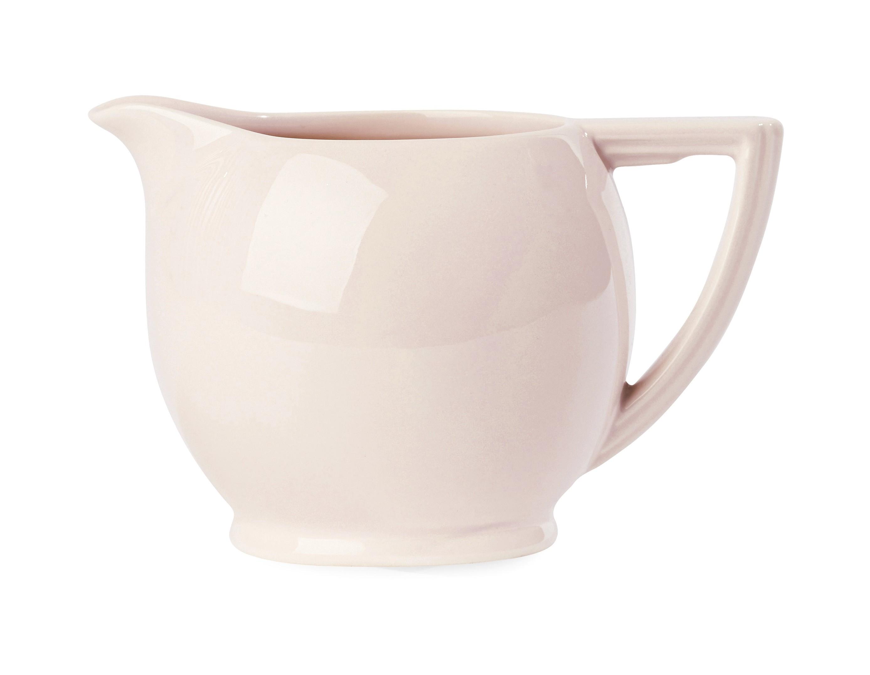 КувшинКувшины и графины<br>Вся посуда Miss Etoile специально создается так, чтобы сочетаться с другими предметами, подходить друг к другу формой, узором и цветом и не терять свою актуальность со временем. Наоборот, при взгляде на них складывается впечатление, что что-то осталось на память от любимой бабушки, а что-то куплено в антикварной лавке.<br><br>Material: Керамика<br>Ширина см: 18<br>Высота см: 12<br>Глубина см: 10
