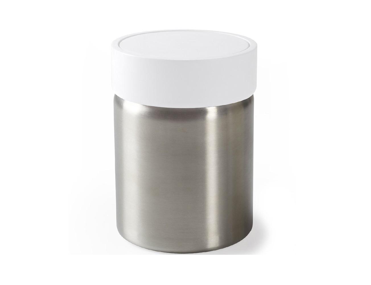 Контейнер мусорный ensaЕмкости для хранения<br>Привычные мусорные корзины в виде старых ведер из-под краски или ненужных коробок давно в прошлом. Каждый элемент в современном доме должен иметь определенный смысл, быть креативным и удобным. Вплоть до мусорного контейнера. Несмотря на кажущийся миниатюрный размер, контейнер вмещает около 7,5 литров и оснащен удобной крышкой.<br><br>Material: Сталь<br>Height см: 30,5<br>Diameter см: 20