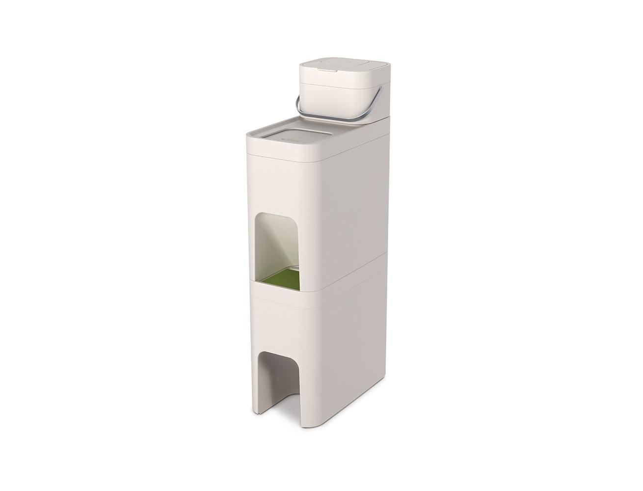 Система контейнеров для мусора stackЯщики<br>Трехуровневая модульная система для раздельного сбора мусора. Состоит из двух раздельных контейнеров объёмом 24 литра каждый и 4-х литрового контейнера для пищевых отходов. Контейнеры компактно устанавливаются один на другой.<br>Расположенные внутри ведра легко вынимаются: удобно мыть и выносить. Скользящие крышки (к каждой из которых обеспечен удобный доступ) плотно закрывают мусор от взглядов, не выпуская неприятные запахи. Дополнительно можно приобрести специально разработанные биоразлагаемые пакеты, которые аккуратно крепятся к краям контейнеров за специальные отверстия.<br>Контейнер для пищевых отходов оснащён съёмными фильтрами для блокировки неприятных запахов и удобной ручкой для переноски. Может использоваться как совместно с другими контейнерами, так и отдельно. Например, его удобно хранить на рабочем столе или внутри кухонного шкафа.<br>Универсальный дизайн отлично подходит для самых разных пространств.<br><br>Material: Пластик<br>Width см: 23<br>Depth см: 44<br>Height см: 80