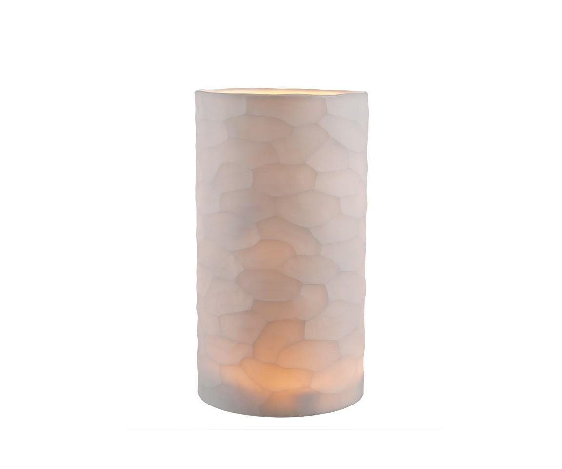 ПодсвечникПодсвечники<br>Подсвечник Fontana White L выполнен вручную из матового стекла цвета слоновая кость. На стекле выполнен фигурный орнамент.<br><br>Material: Стекло<br>Height см: 36<br>Diameter см: 20
