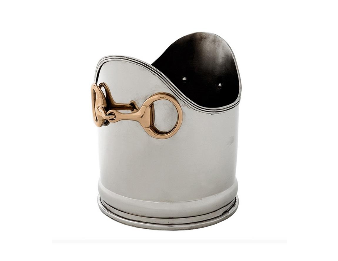 Ведро для льдаПодставки и доски<br>Ведро&amp;amp;nbsp;&amp;amp;nbsp;для льда под шампанские&amp;amp;nbsp;&amp;amp;nbsp;Wine Cooler Nelson из никелированного металла выполнено в современном стиле. Ручки из металла.<br><br>Material: Металл<br>Height см: 23<br>Diameter см: 20