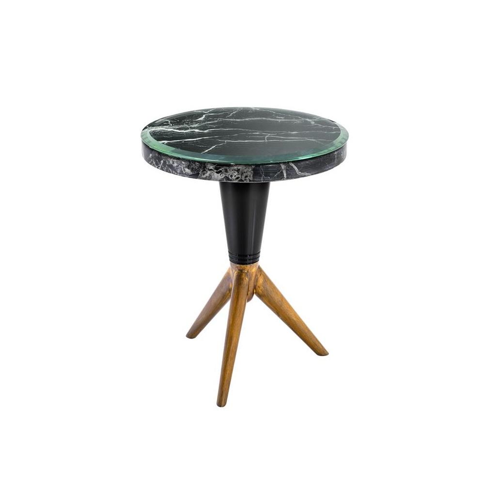 СтолПриставные столики<br>Столик Side Table Milady на металлическом основании черного цвета и ножках золотого цвета с патиной. Столешница выполнена из плотного мрамора черного цвета. На столешнице расположено прозрачное стекло со скошенными краями.<br><br>Material: Мрамор<br>Ширина см: 36<br>Высота см: 44.0<br>Глубина см: 36