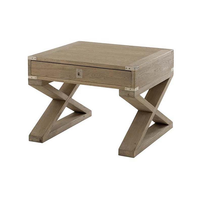 Журнальный столикПрикроватные тумбы, комоды, столики<br>Деревянный столик Wisconsin из состаренного дуба на оригинальных ножках. Выдвижной ящик с металлическим замком.<br><br>Material: Дерево<br>Width см: 65<br>Depth см: 65<br>Height см: 52