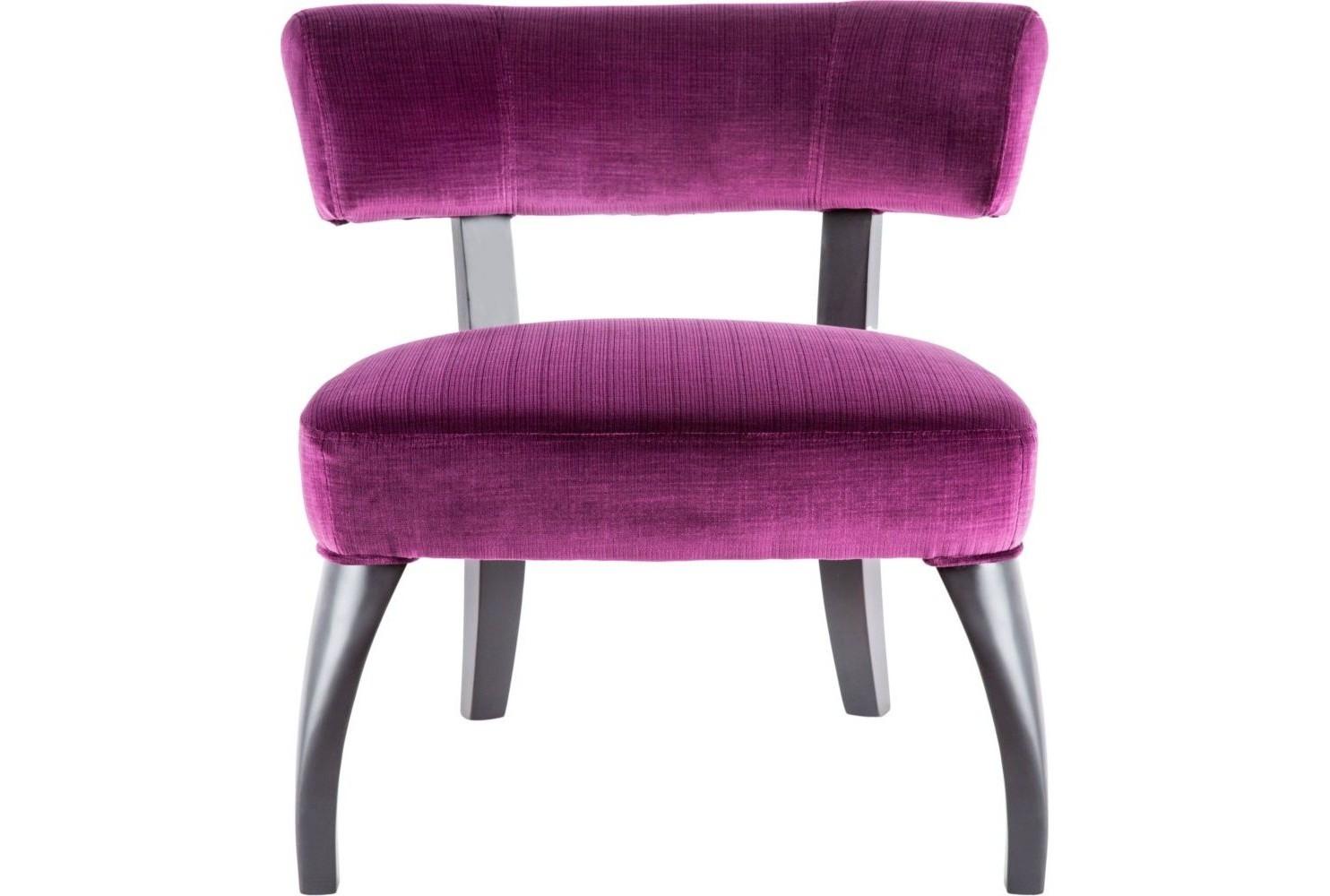 Кресло Severe BugИнтерьерные кресла<br>Приземистый и коренастый, этот низкий стул подчеркнет индивидуальность интерьера, какую бы обивку Вы ни выбрали. Изогнутые ножки черного дерева делают силуэт Severe Bug необычным, достойным существовать рядом с другими дизайнерскими деталями, а искусно продуманная эргономичная конструкция сделает Вашу жизнь еще комфортней.<br><br>Material: Вельвет<br>Width см: 63<br>Depth см: 68<br>Height см: 66