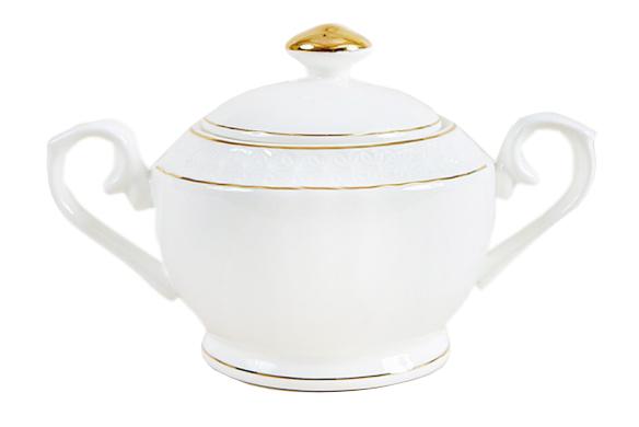 Сахарница с ручками The snow QueenСахарницы<br>Эксклюзивная коллекция чайно-столовой посуды &amp;quot;Снежная королева&amp;quot; - выбор истинных ценителей прекрасного!<br>Посуду отличает лёгкость, молочно-белый цвет, отводка с содержанием 10-ти процентного настоящего золота, оригинальность формы и рельефа.<br>Эксклюзивный рельеф &amp;quot;Снежинки&amp;quot;, украшающий посуду &amp;quot;Снежная королева&amp;lt;div&amp;gt;&amp;lt;br&amp;gt;&amp;lt;/div&amp;gt;&amp;lt;div&amp;gt;500 мл&amp;lt;/div&amp;gt;<br><br>Material: Керамика<br>Length см: None<br>Width см: None<br>Height см: 20<br>Diameter см: 15