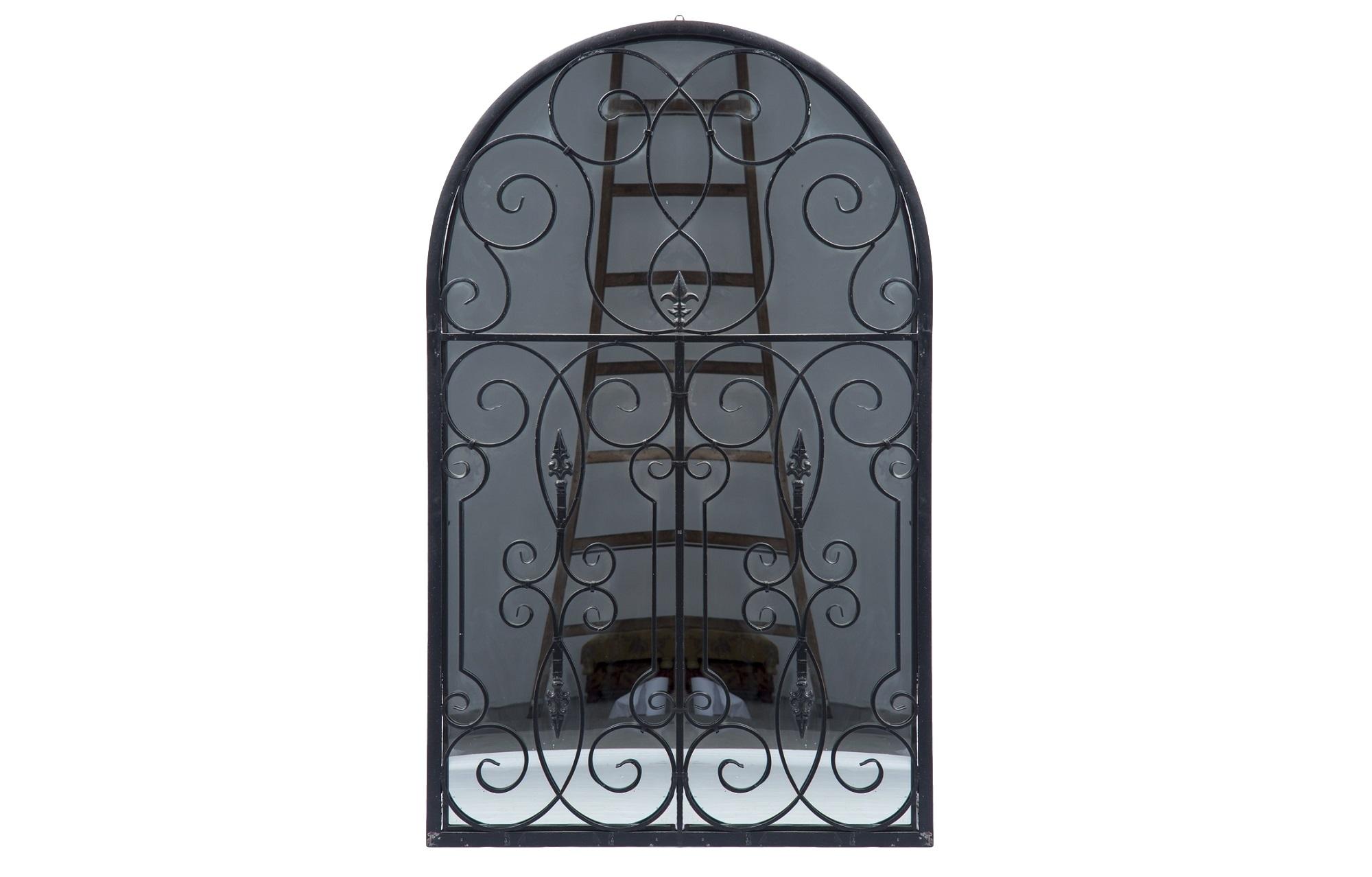 ЗеркалоНапольные зеркала<br>Декоративное зекрало в железной раме с кованым декором.<br><br>Material: Металл<br>Width см: 107<br>Depth см: 6<br>Height см: 173