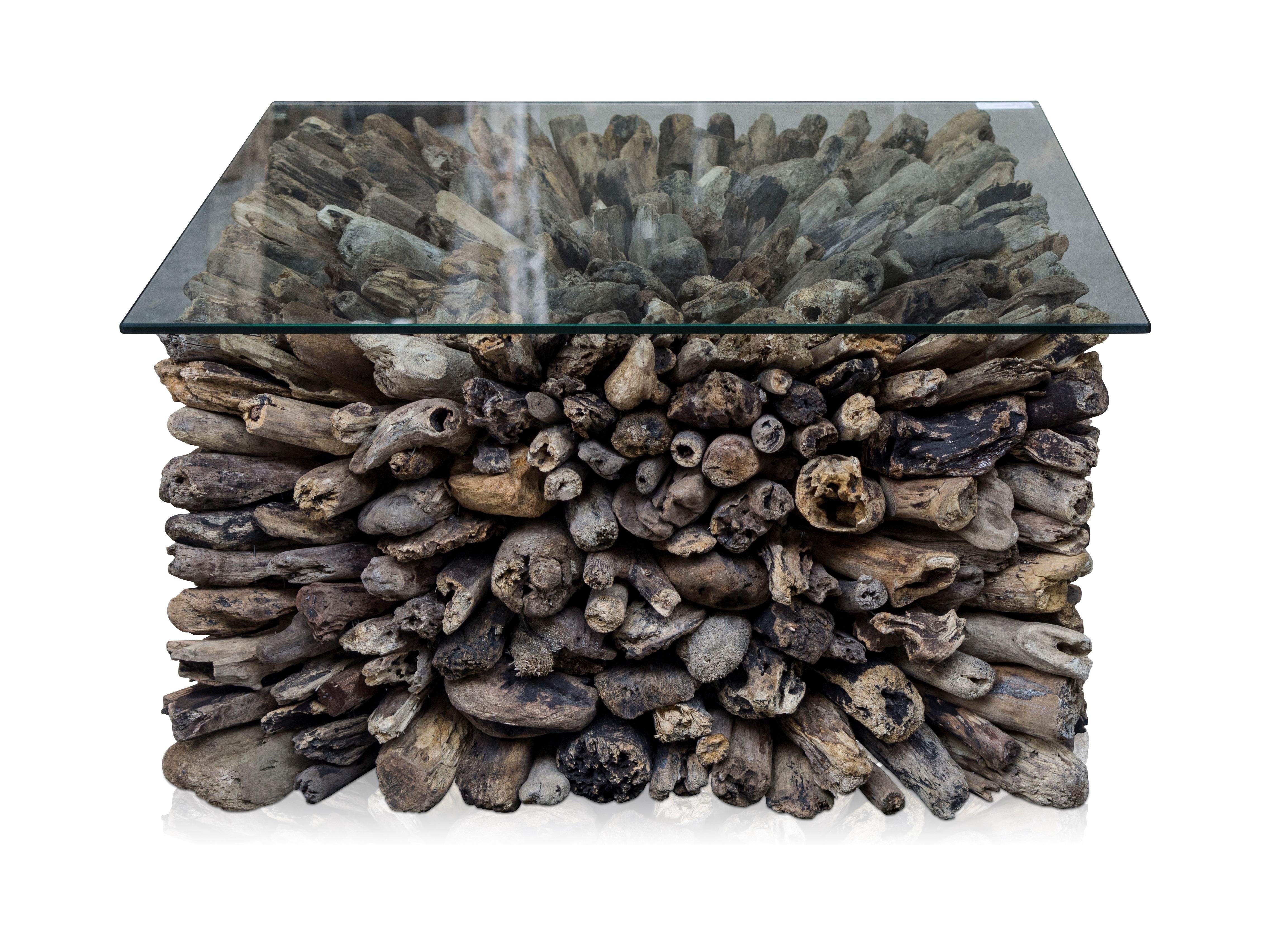 Столик DriftwoodКофейные столики<br>Столик кофейный из старых затопленых веток, столешница из стекла. Сборка не требуется.<br><br>Material: Стекло<br>Width см: 75<br>Depth см: 40<br>Height см: 75