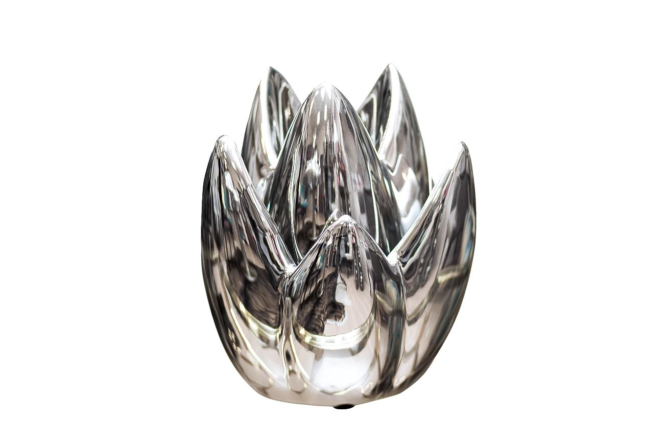 Подсвечник серебряныйПодсвечники<br><br><br>Material: Керамика<br>Ширина см: 13<br>Высота см: 19<br>Глубина см: 13