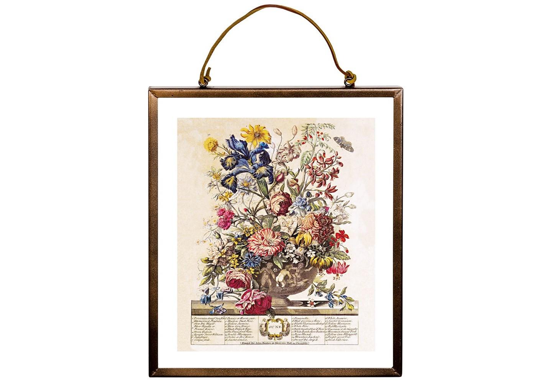 Репродукция «12 месяцев цветения» версия ИюньКартины<br>Репродукция «12 месяцев цветения», версия Июнь,  - эмблема дома, приветствующего стиль и индивидуальность. Грациозная контрастная рама выгодно подчеркивает пышное соцветие старинной фламандской гравюры, будто бы парящей в воздухе в окружении прозрачной стеклянной оправы. Сдержанный шоколадный цвет заведомо гармоничен любому интерьерному окружению. Июнь - месяц розы. Из 33 цветущих растений месяца роза представлена семью сортами. Среди прочих цветов - по 2 вида ириса и лилии мартегон, герань, белый и желтый жасмин.&amp;lt;div&amp;gt;&amp;lt;br&amp;gt;&amp;lt;/div&amp;gt;&amp;lt;div&amp;gt;Материал: рама - латунь; двухстороннее защитное стекло; подвесная струна - натуральная кожа; изображение - дизайнерская бумага&amp;lt;br&amp;gt;&amp;lt;/div&amp;gt;<br><br>Material: Латунь<br>Ширина см: 27.0<br>Высота см: 31.0<br>Глубина см: 1.0