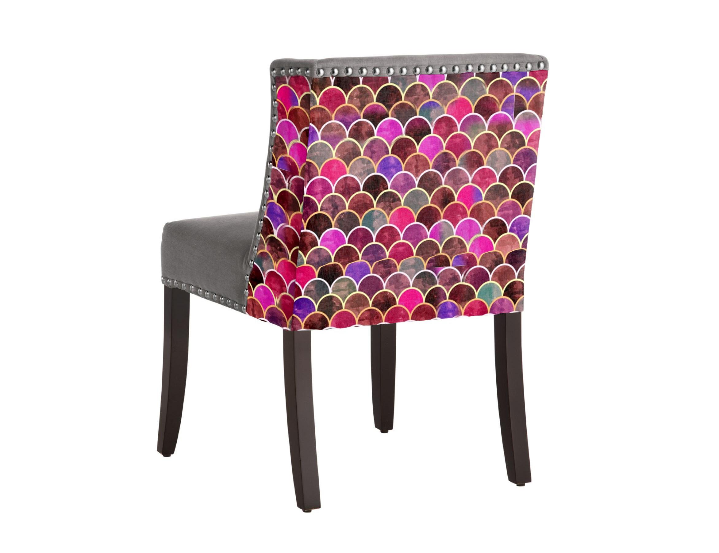 Стул Chameleo AbelСтулья с подлокотниками<br>Уникальный дизайн. Полукресло-стул с принтом супер талантливого художника из Бангладеш Amir Faysal. Амир популярен во всем мире и эксклюзивно сотрудничает с Российским брендом ICON DESIGNE. Эти стулья можно использовать как в гостиной, так и в столовой! Идеально впишутся в интерьер! Произведено из экологически чистых материалов. Модель представлена в ткани микровелюр – мягкий, бархатистый материал, широко используемый в качестве обивки для мебели. Обладает целым рядом замечательных свойств: отлично пропускает воздух, отталкивает пыль и долго сохраняет изначальный цвет, не протираясь и не выцветая. Высокие эксплуатационные свойства в сочетании с превосходным дизайном обеспечили микровелюру большую популярность.&amp;amp;nbsp;&amp;lt;div&amp;gt;&amp;lt;br&amp;gt;&amp;lt;div&amp;gt;Материалы: дуб, текстиль.&amp;lt;br&amp;gt;&amp;lt;/div&amp;gt;&amp;lt;/div&amp;gt;<br><br>Material: Дуб<br>Length см: None<br>Width см: 53<br>Depth см: 58<br>Height см: 82