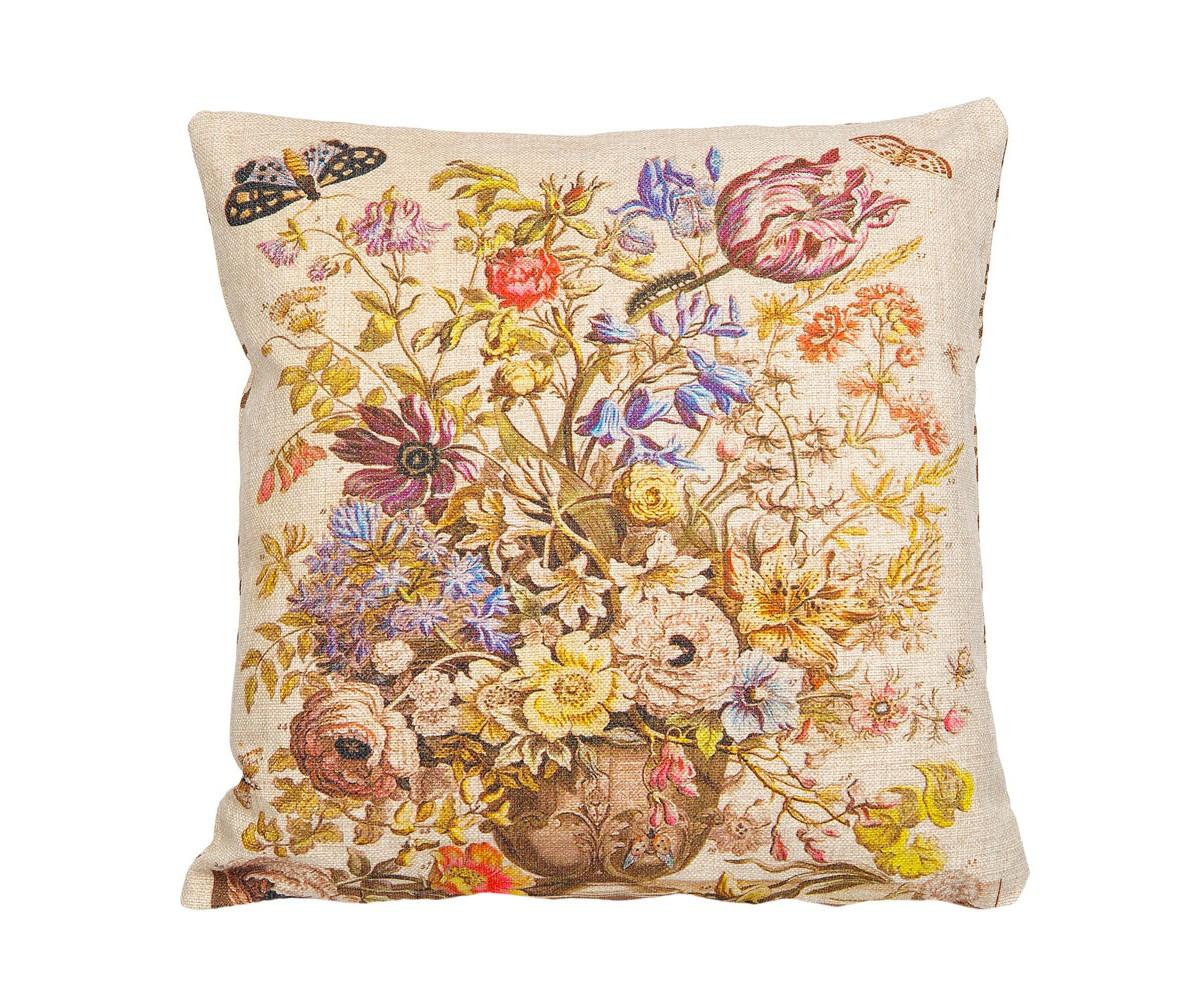Арт-подушка 12 месяцев цветения версия МайКвадратные подушки и наволочки<br>На интерьерной арт-подушке «12 месяцев цветения», версия Май, Вы найдете благоухающие букеты, составленные из цветов этого месяца. Майский букет насчитывает 33 цветущих растения, в том числе по 2 сорта розы, тюльпана и ранункулюса, лилию, колумбин, желтый лотос, гиацинт, анемону. Высокая плотность ткани из смеси льна и хлопка обеспечит Вам не только дополнительную мягкость, но и максимальную долговечность любимого аксессуара.&amp;lt;div&amp;gt;&amp;lt;br&amp;gt;&amp;lt;/div&amp;gt;&amp;lt;div&amp;gt;Материал: состав ткани хлопок 25%, лен 15%, полиэстер 60%, плотность ткани 445 гр/м2.&amp;lt;br&amp;gt;&amp;lt;/div&amp;gt;<br><br>Material: Текстиль<br>Ширина см: 45.0<br>Высота см: 45.0<br>Глубина см: 15.0