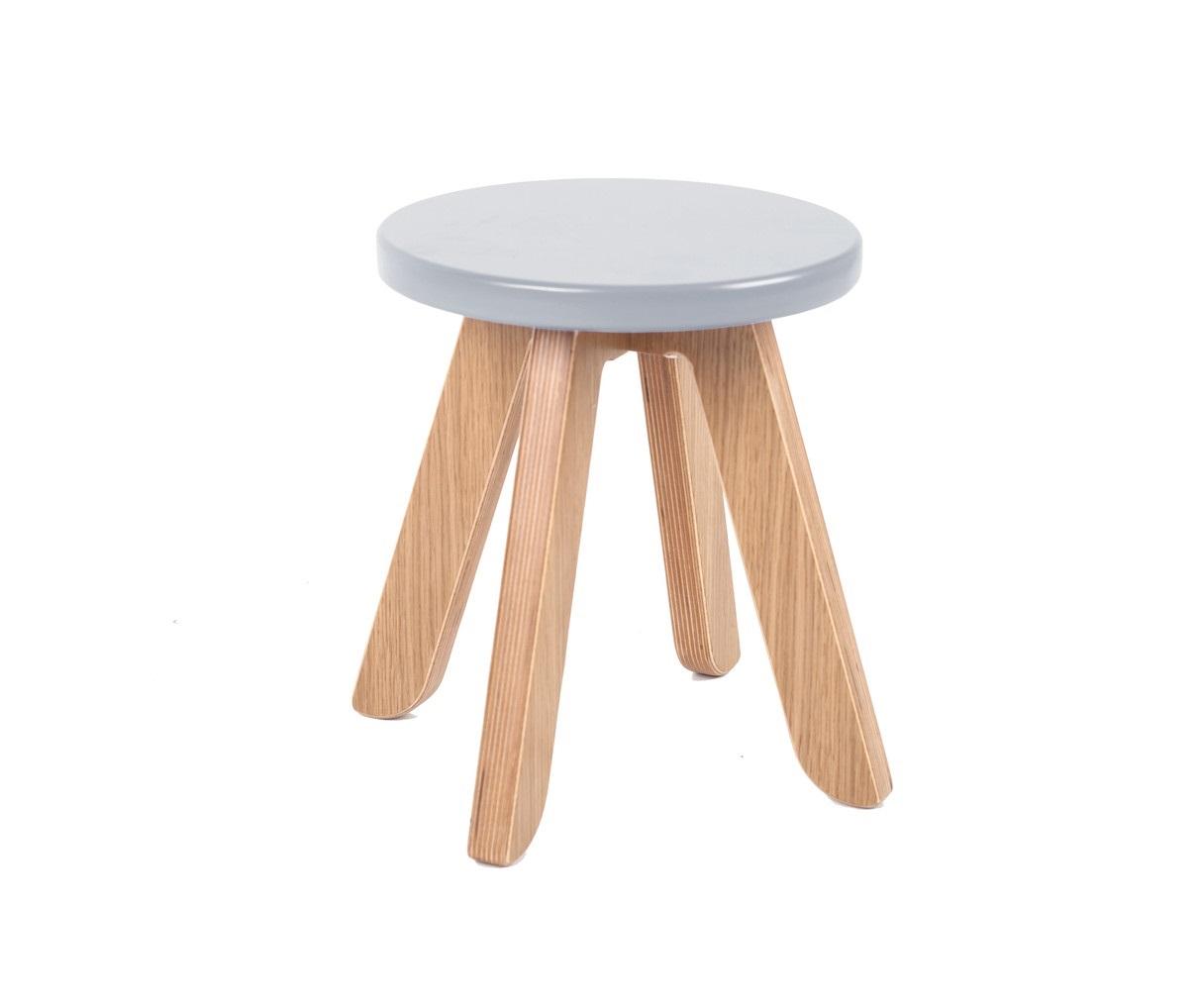 Табурет MalevichДетские табуреты<br>Табурет составит отличную компанию столу и стулу. Например, на нем удобно расположить принадлежности для рисования, когда стол используется в положении мольберта. Наличие табурета также позволит маме сидеть за столом на одном уровне с ребенком.&amp;amp;nbsp;&amp;lt;span style=&amp;quot;font-size: 14px;&amp;quot;&amp;gt;&amp;amp;nbsp;&amp;lt;/span&amp;gt;&amp;lt;div style=&amp;quot;font-size: 14px;&amp;quot;&amp;gt;&amp;lt;br&amp;gt;&amp;lt;/div&amp;gt;&amp;lt;div style=&amp;quot;font-size: 14px;&amp;quot;&amp;gt;Материал: березовая фанера, дубовый шпон.&amp;lt;/div&amp;gt;<br><br>Material: Фанера<br>Высота см: 29