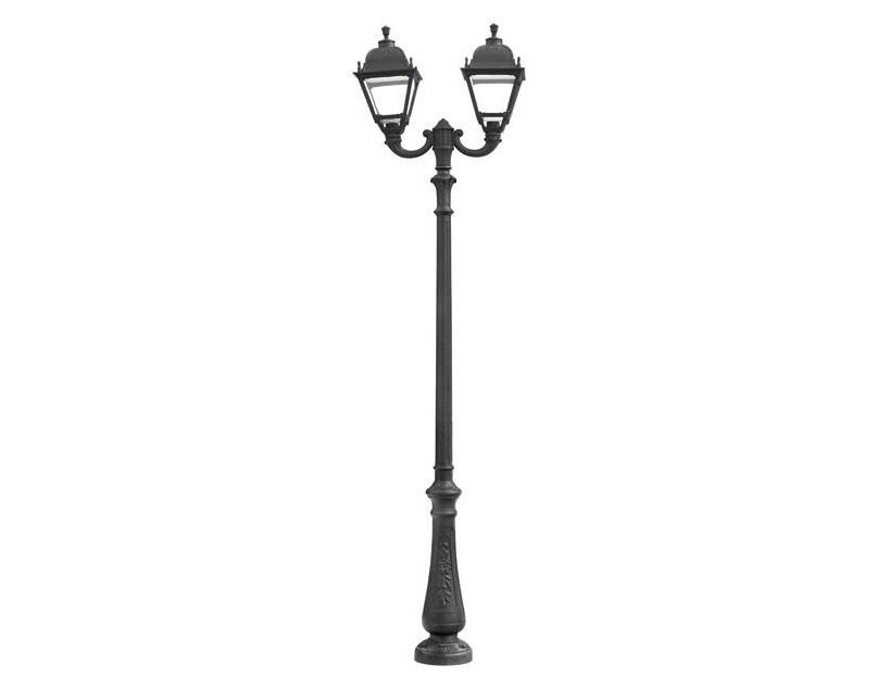 Светильник уличный NEBO OFIRУличные наземные светильники<br>Большие уличные квадратные светильники FUMAGALLI  серии SIMON   - изготовлены в Италии. Корпус изготовлен из современного композитного полимера RESIN. Прочного, окрашенного в массе, не ржавеющего и не выгорающего на солнце. Все светильники пыле-влаго защищены по стандарту IP65. В комплекте идут крепежи и закладные элементы. Рассеиватель выполнен из антивандального, не мутнеющего  и не горючего PMMA. Срок службы светильника - не менее 10 лет. Температура использования от +60 до -90. Могут быть в настенном, подвесном и наземном исполнении со столбами разной высоты, разным количеством и конфигурации голов. Столбы выше 150 см имеют в основе мощную стальную трубу с двойной оцинковкой и полимерным наполнителем. При заказе требуется выбрать цвет корпуса, цвет плафона и тип патрона.&amp;lt;div&amp;gt;&amp;lt;br&amp;gt;&amp;lt;/div&amp;gt;&amp;lt;div&amp;gt;&amp;lt;div&amp;gt;Вид цоколя: E27&amp;lt;/div&amp;gt;&amp;lt;div&amp;gt;Мощность: 100W&amp;lt;/div&amp;gt;&amp;lt;div&amp;gt;Количество ламп: 2 (нет в комплекте)&amp;lt;/div&amp;gt;&amp;lt;div&amp;gt;Материал: полимер&amp;lt;/div&amp;gt;&amp;lt;/div&amp;gt;<br><br>Material: Пластик<br>Высота см: 310