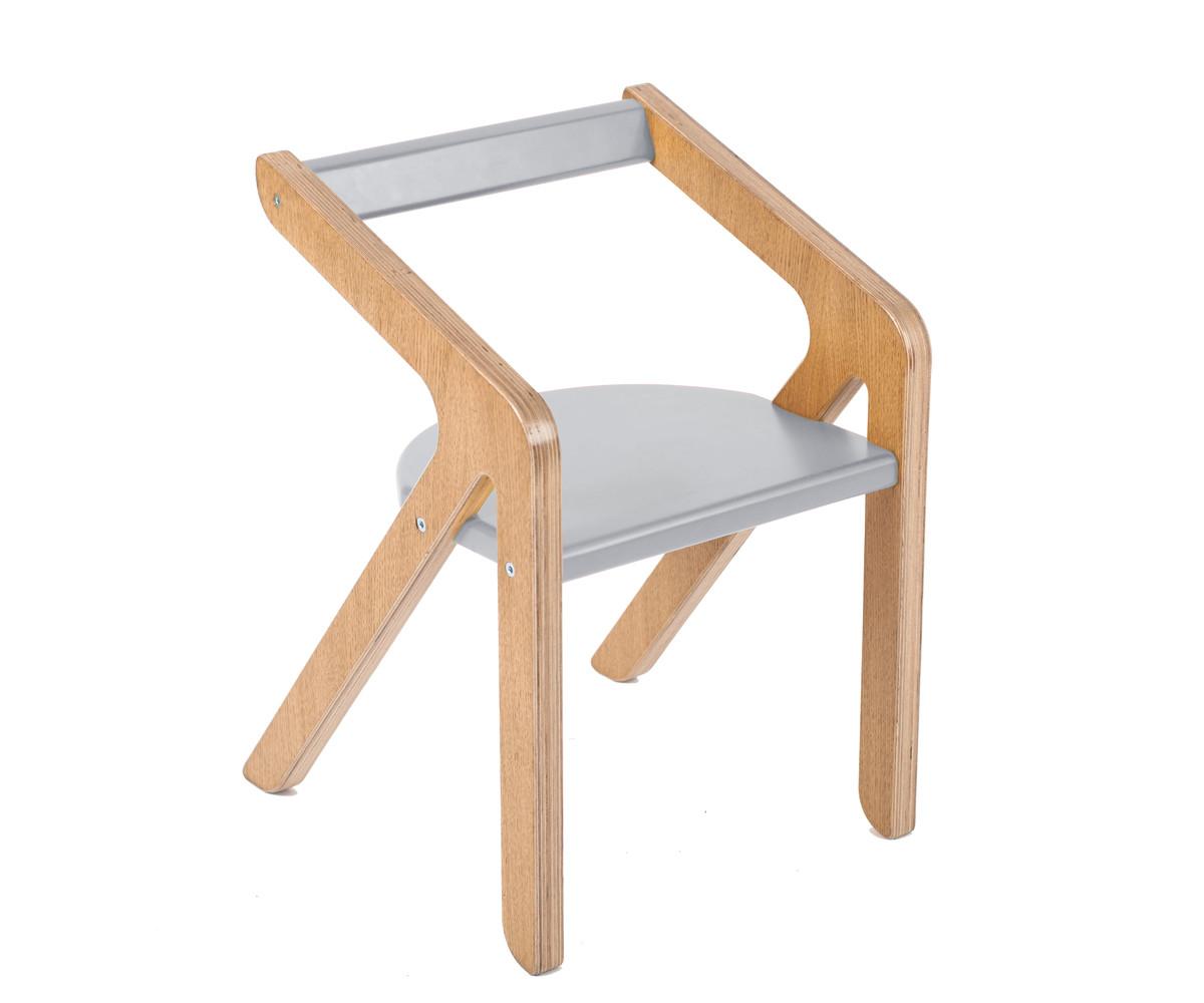 Стул MalevichДетские стулья<br>Красивый, удобный, а главное устойчивый стул, который не перевернется, даже если ребенок залезет на него и облокотится на спинку.&amp;lt;div&amp;gt;&amp;lt;div style=&amp;quot;font-size: 14px;&amp;quot;&amp;gt;&amp;lt;br&amp;gt;&amp;lt;/div&amp;gt;&amp;lt;span style=&amp;quot;font-size: 14px;&amp;quot;&amp;gt;Материал: березовая фанера, дубовый шпон.&amp;lt;/span&amp;gt;&amp;amp;nbsp;&amp;lt;/div&amp;gt;<br><br>Material: Фанера<br>Ширина см: 32<br>Высота см: 29