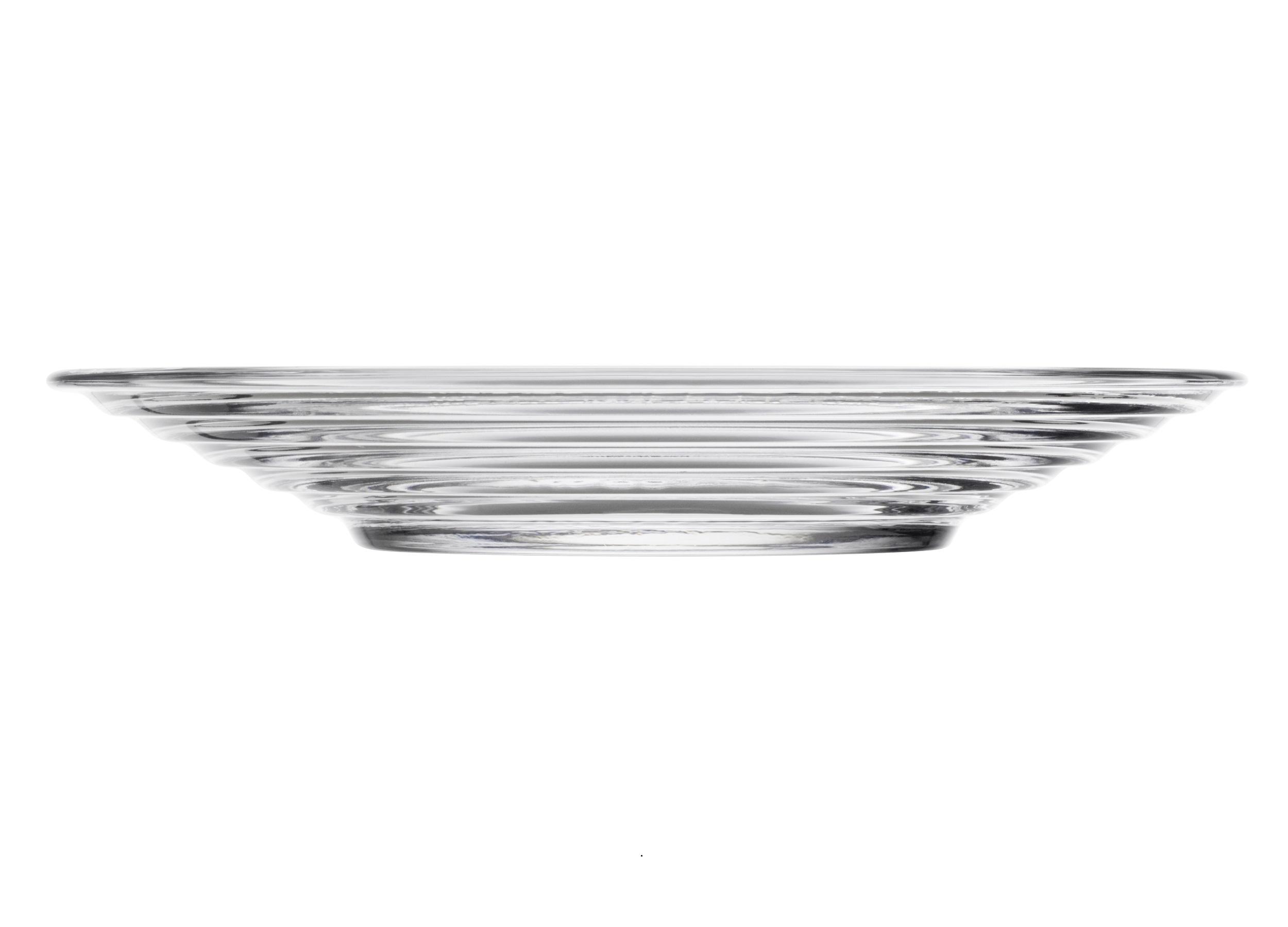 Тарелка Aino AaltoТарелки<br>Простота, компактность хранения и универсальность – ключеные характеристики посуды серии Aino Aalto. Этот необычный дизайн раскрывает всю красоту разводов на воде от упавшего камешка. Дизайн не менялся с 1932 года.<br><br>Material: Стекло<br>Высота см: 2