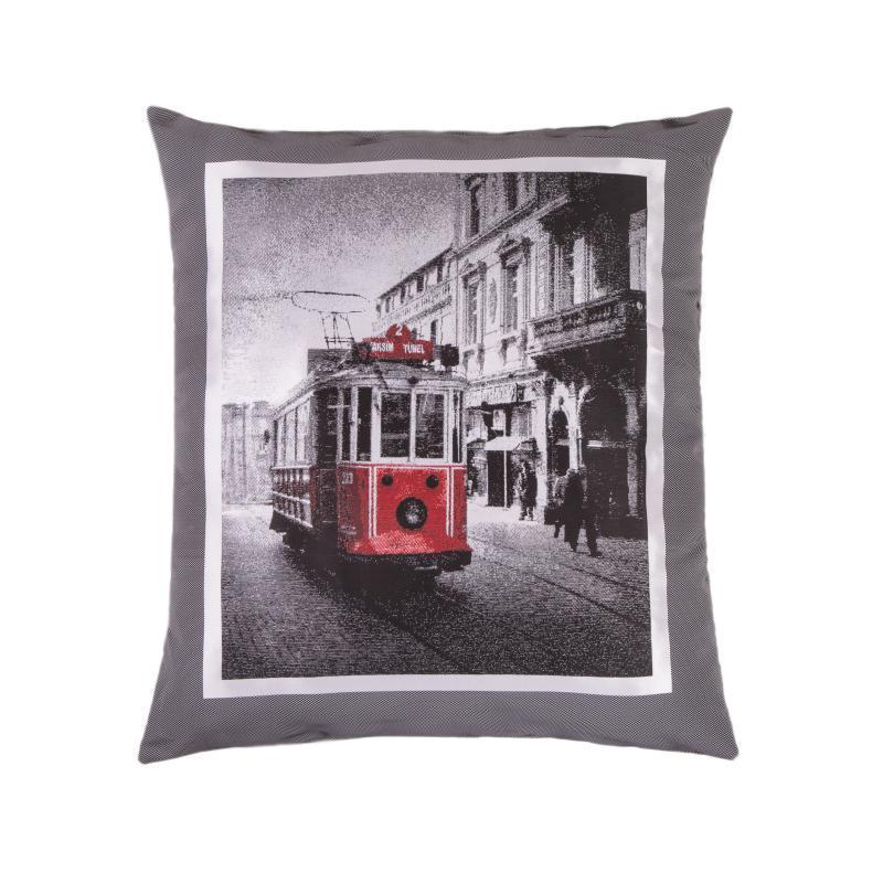 Подушка на пол Улицы ЛондонаПрямоугольные подушки и наволочки<br>Напольная подушка &amp;quot;Улицы Лондона&amp;quot;является стильным и функциональным предметом интерьера. Подушку можно положить как на пол, так и на диван, она будет одинаково стилько смотреться. Мягкий наполнитель делает подушку безопасным аксессуаром в доме, где живут дети. Немаловажным фактом является вес подушки, он невероятно легкий, и ваш ребенок сможет без особых усилий передвигать ее куда угодно.<br><br>Material: Текстиль<br>Length см: None<br>Width см: 64<br>Depth см: 10<br>Height см: 73