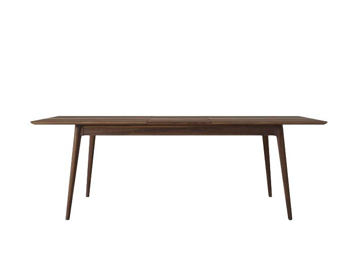 Стол VintageОбеденные столы<br>К вам часто наведываются гости и места за столом, чтобы рассадить всех с комфортом, катастрофически не хватает? Зачем руководствоваться пословицей «В тесноте, да не в обиде», когда есть великолепный раздвижной стол Vintage.&amp;amp;nbsp;<br><br>Material: Тик<br>Length см: None<br>Width см: 180<br>Depth см: 90<br>Height см: 78<br>Diameter см: None