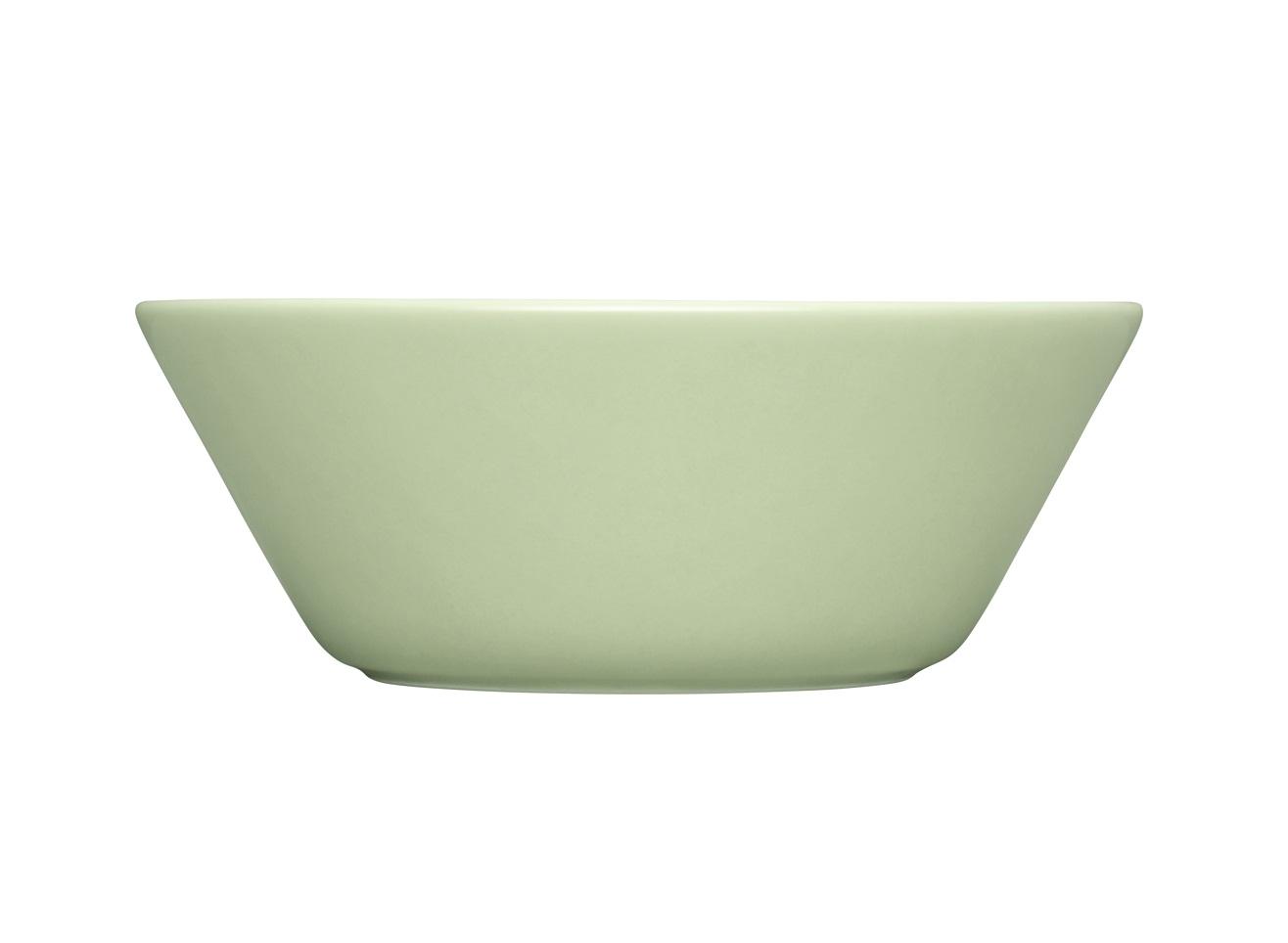 Чаша TeemaМиски и чаши<br>Teema - это классика дизайна Iittala, каждый продукт имеет чёткие геометрические формы: круг, квадрат и прямоугольник. Как говорит Кай Франк: «Цвет является единственным украшением». Посуда серии Teema является универсальной, её можно комбинировать с любой серией Iittala. Она практична и лаконична.<br><br>Material: Фарфор<br>Высота см: 5