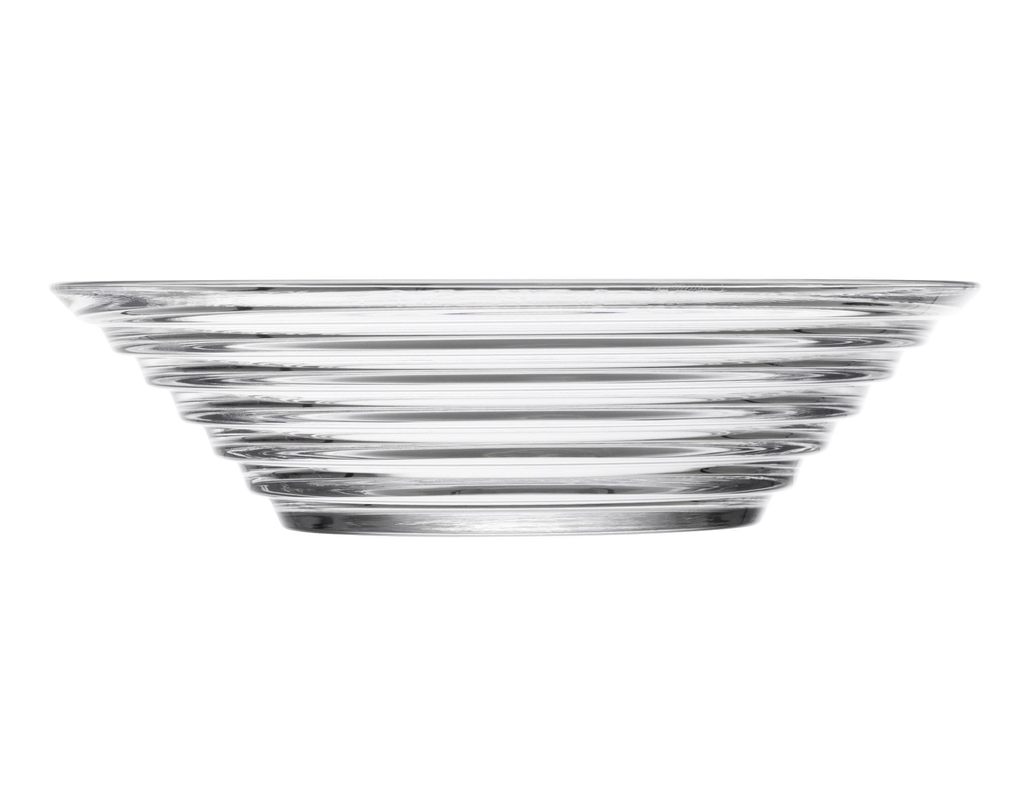 Чаша Aino AaltoМиски и чаши<br>Простота, компактность хранения и универсальность – ключеные характеристики посуды серии Aino Aalto. Этот необычный дизайн раскрывает всю красоту разводов на воде от упавшего камешка. Дизайн не менялся с 1932 года.<br><br>Material: Стекло<br>Length см: None<br>Width см: None<br>Depth см: None<br>Height см: 3<br>Diameter см: 15