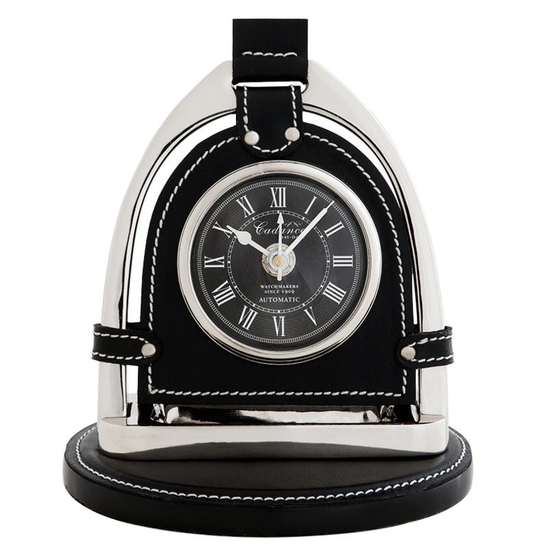 Часы настольные CadanceНастольные часы<br><br><br>Material: Кожа<br>Length см: None<br>Width см: 17.0<br>Depth см: 12.0<br>Height см: 19.0<br>Diameter см: None