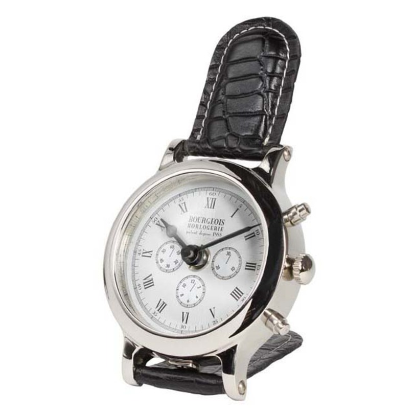 Часы настольные BourgeoisНастольные часы<br>Никелевые настольные часы от голландской компании Eichholtz станут замечательным подарком для делового человека - стилизованные под наручные, они символизируют деловой образ жизни. Отличный аксессуар для рабочего кабинета.<br><br>Material: Никель<br>Height см: 16<br>Diameter см: 9