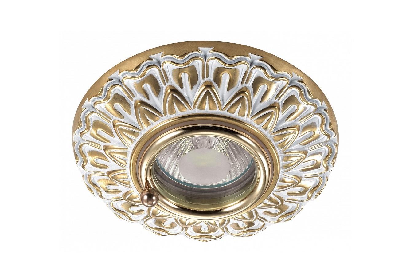 Встраиваемый светильник DaisyТочечный свет<br>Вид цоколя: GX5.3Мощность: 50WКоличество ламп: 1 (нет в комплекте)<br><br>kit: None<br>gender: None