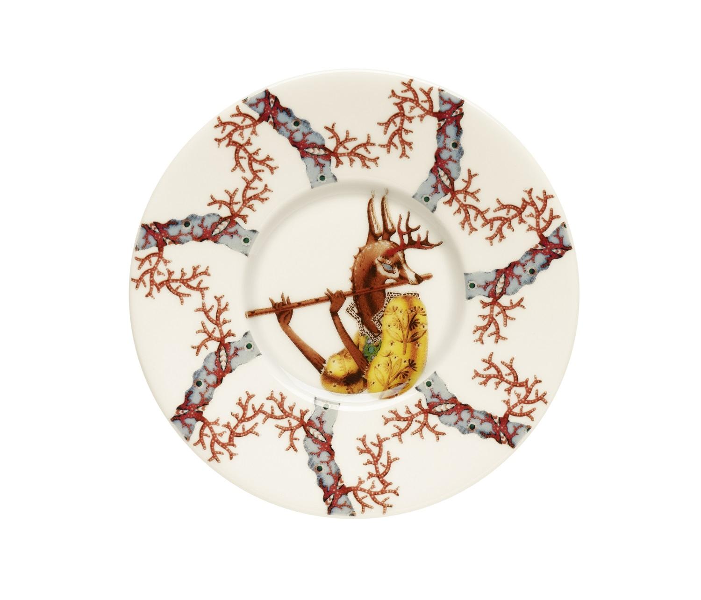 Блюдце TanssiЧайные пары, чашки и кружки<br>Tanssi, что означает «танец» на финском языке - это новая коллекция, которую создал знаменитый финиский дизайнер и иллюстратор Klaus Haapaniemi. Klaus вводит мифологию в повседневную посуду, которая станет прекрасным дополнением к любой коллекции Iittala.<br><br>Material: Фарфор<br>Length см: None<br>Width см: None<br>Depth см: None<br>Height см: 1<br>Diameter см: 15
