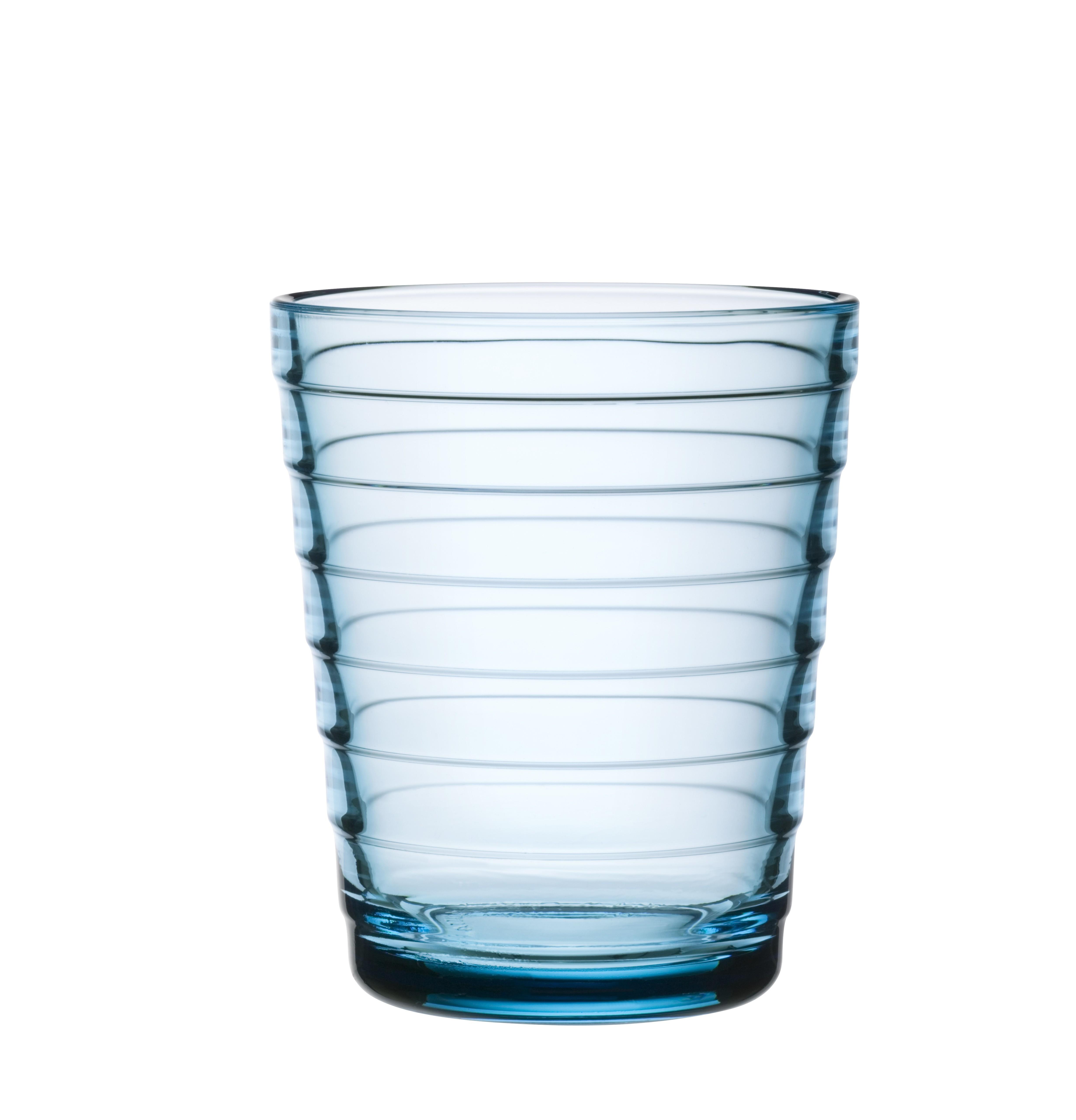 Стакан Aino Aalto (2 шт)Стаканы<br>Простота, компактность хранения и универсальность – ключеные характеристики посуды серии Aino Aalto. Этот необычный дизайн раскрывает всю красоту разводов на воде от упавшего камешка. Дизайн не менялся с 1932 года.<br><br>Material: Фарфор<br>Length см: 9<br>Width см: 15<br>Depth см: None<br>Height см: 8<br>Diameter см: None