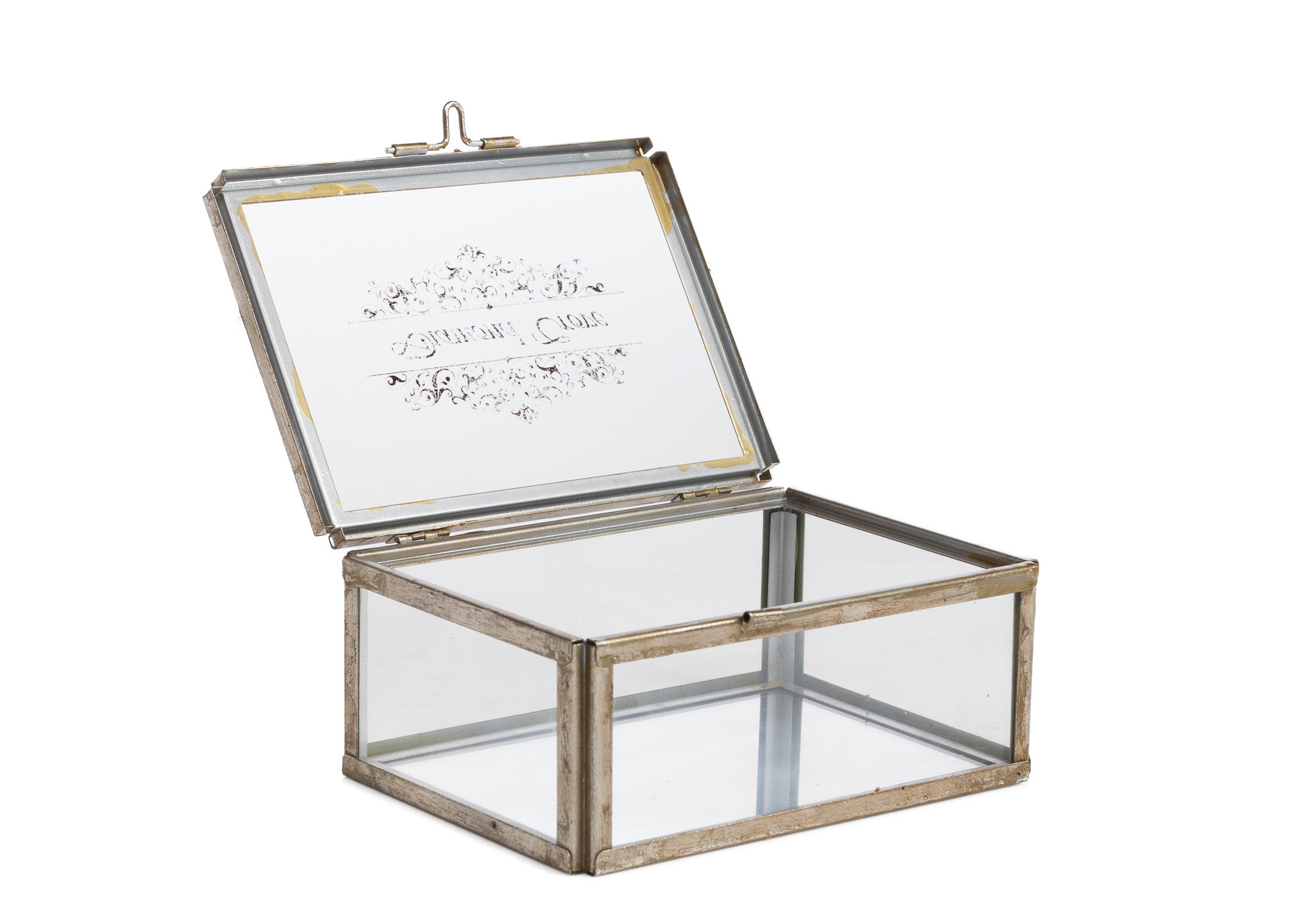 Коробка для ювелирных украшений JuneШкатулки<br>&amp;lt;div&amp;gt;Материал: Стекло, Металл&amp;lt;/div&amp;gt;&amp;lt;div&amp;gt;&amp;lt;br&amp;gt;&amp;lt;/div&amp;gt;<br><br>Material: Металл<br>Ширина см: 13<br>Высота см: 9<br>Глубина см: 16