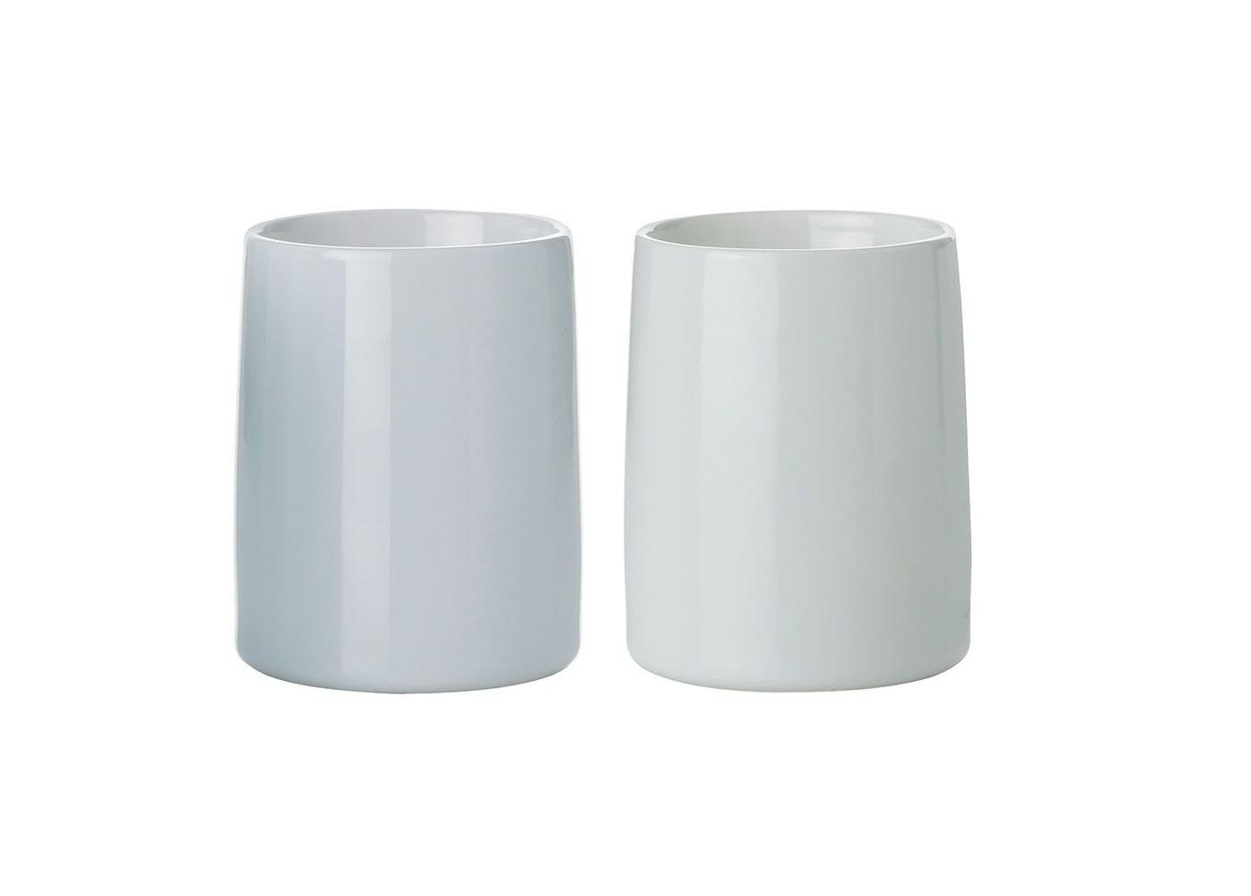 Набор термо-чашек Emma (2шт)Чайные пары, чашки и кружки<br>Набор из 2х термо-чашек Emma. &amp;amp;nbsp;Благодаря двойным стенкам и специальным термо-технологиям чашки остаются прохладными с внешней стороны, в то время, как напиток внутри надолго сохраняет свое тепло. При желании Вы можете подогревать свой напиток в микроволновой печи прямо в чашках. Допустимо мытье в посудомоечной машине. Разрешено использование в микроволновой печи.&amp;lt;div&amp;gt;&amp;lt;br&amp;gt;&amp;lt;/div&amp;gt;&amp;lt;div&amp;gt;Объем каждой кружки 250мл.&amp;lt;br&amp;gt;&amp;lt;/div&amp;gt;<br><br>Material: Керамика<br>Высота см: 10