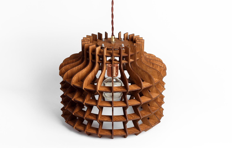 Деревянный светильник Китайский ФонарикПодвесные светильники<br>Деревянная люстра в стиле Лофт. Возможно изготовление в двух цветах - натуральный ( покрытый лаком ) и темный ( мореный )&amp;amp;nbsp;&amp;lt;div&amp;gt;&amp;lt;br&amp;gt;&amp;lt;/div&amp;gt;&amp;lt;div&amp;gt;&amp;lt;div&amp;gt;Вид цоколя: E27&amp;lt;/div&amp;gt;&amp;lt;div&amp;gt;Мощность: 60W&amp;lt;/div&amp;gt;&amp;lt;div&amp;gt;Количество ламп: 1 (нет в комплекте)&amp;lt;/div&amp;gt;&amp;lt;/div&amp;gt;<br><br>Material: Дерево<br>Высота см: 30