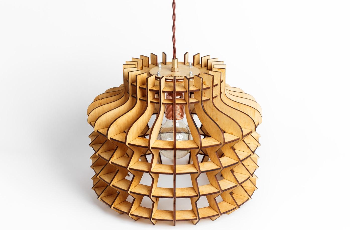 Деревянный светильник Китайский ФонарикПодвесные светильники<br>Деревянная люстра в стиле Лофт. Возможно изготовление в двух цветах - натуральный ( покрытый лаком ) и темный ( мореный )&amp;lt;div&amp;gt;&amp;lt;br&amp;gt;&amp;lt;/div&amp;gt;&amp;lt;div&amp;gt;&amp;lt;div&amp;gt;Вид цоколя: E27&amp;lt;/div&amp;gt;&amp;lt;div&amp;gt;Мощность: 60W&amp;lt;/div&amp;gt;&amp;lt;div&amp;gt;Количество ламп: 1 (нет в комплекте)&amp;lt;/div&amp;gt;&amp;lt;/div&amp;gt;<br><br>Material: Дерево<br>Length см: None<br>Width см: None<br>Height см: 30<br>Diameter см: 35