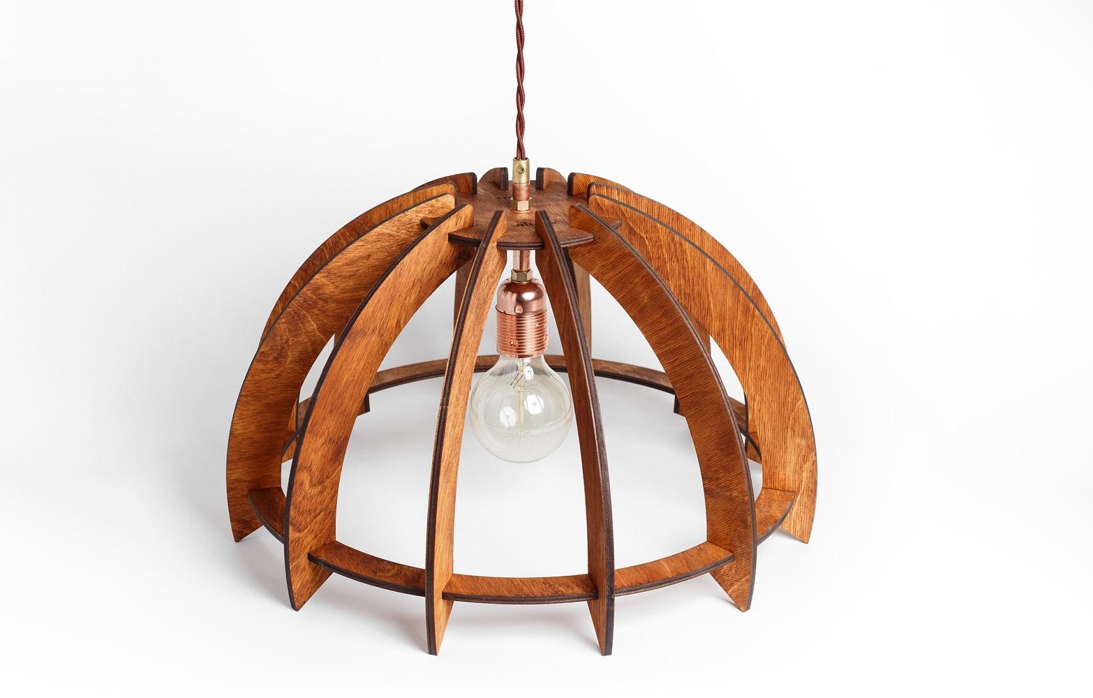 Деревянный светильник ЗонтикПодвесные светильники<br>Деревянная люстра в стиле Лофт. Возможно изготовление в двух цветах - натуральный ( покрытый лаком ) и темный ( мореный )&amp;lt;div&amp;gt;&amp;lt;br&amp;gt;&amp;lt;/div&amp;gt;&amp;lt;div&amp;gt;&amp;lt;div&amp;gt;Вид цоколя: E27&amp;lt;/div&amp;gt;&amp;lt;div&amp;gt;Мощность: 60W&amp;lt;/div&amp;gt;&amp;lt;div&amp;gt;Количество ламп: 1 (нет в комплекте)&amp;lt;/div&amp;gt;&amp;lt;/div&amp;gt;<br><br>Material: Дерево<br>Length см: None<br>Width см: None<br>Height см: 44<br>Diameter см: 30