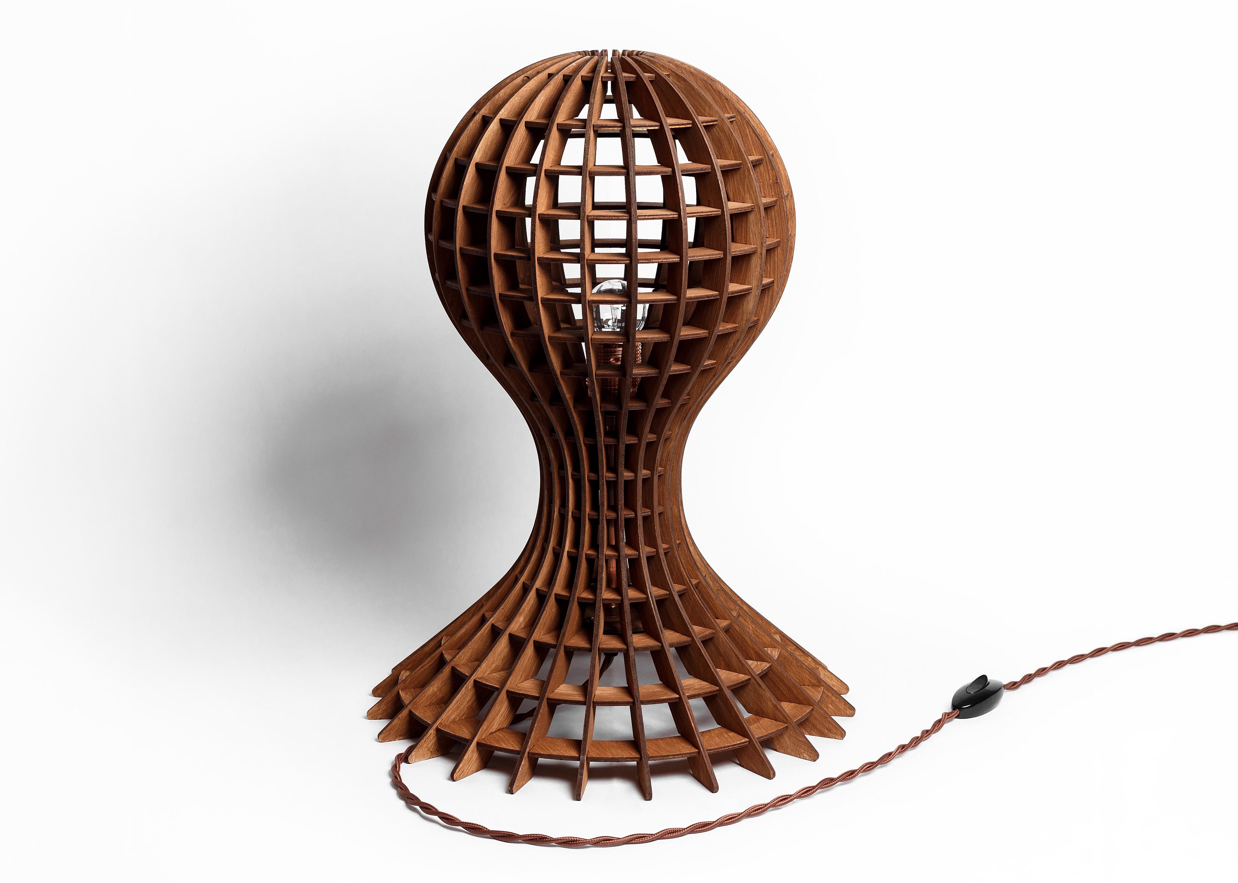 Деревянный светильник МедузаДекоративные лампы<br>Деревянная люстра в стиле Лофт. Возможно изготовление в двух цветах - натуральный ( покрытый лаком ) и темный ( мореный )&amp;amp;nbsp;&amp;lt;div&amp;gt;&amp;lt;br&amp;gt;&amp;lt;/div&amp;gt;&amp;lt;div&amp;gt;&amp;lt;div&amp;gt;Вид цоколя: E14&amp;lt;/div&amp;gt;&amp;lt;div&amp;gt;Мощность: 40W&amp;lt;/div&amp;gt;&amp;lt;div&amp;gt;Количество ламп: 1 (нет в комплекте)&amp;lt;/div&amp;gt;&amp;lt;/div&amp;gt;<br><br>Material: Дерево<br>Length см: None<br>Width см: None<br>Height см: 50<br>Diameter см: 35