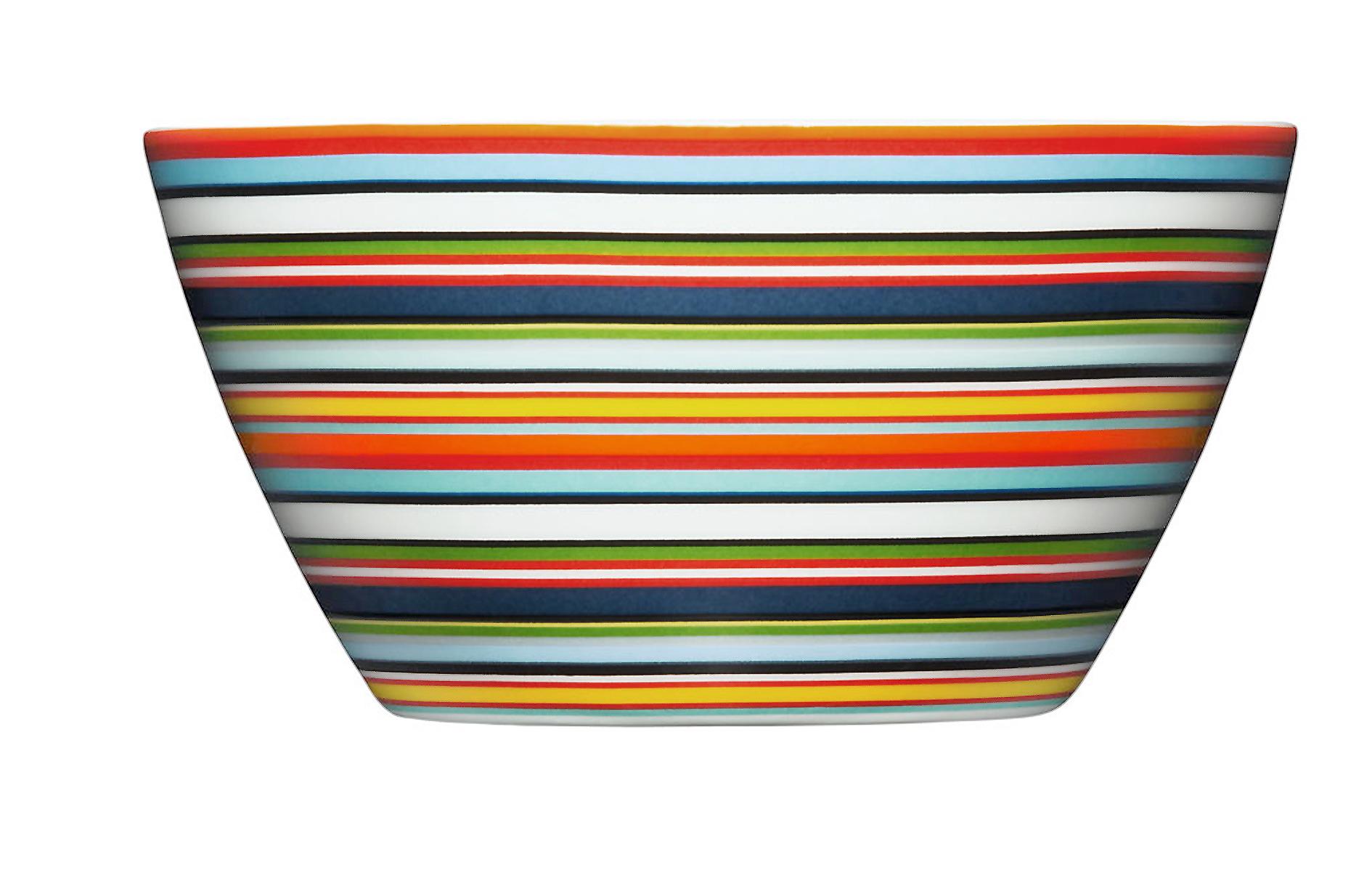 Чаша OrigoМиски и чаши<br>Смелый полосатый рисунок посуды серии Origo будет свежо смотреться на любой кухне. Посуда прекрасно сочетается с посудой других серий Iittala и подходит для приёма любой пищи. Впервые серия вышла 1999 году и с того момента стала невероятно популярной во всем мире.<br><br>Material: Фарфор<br>Высота см: 7