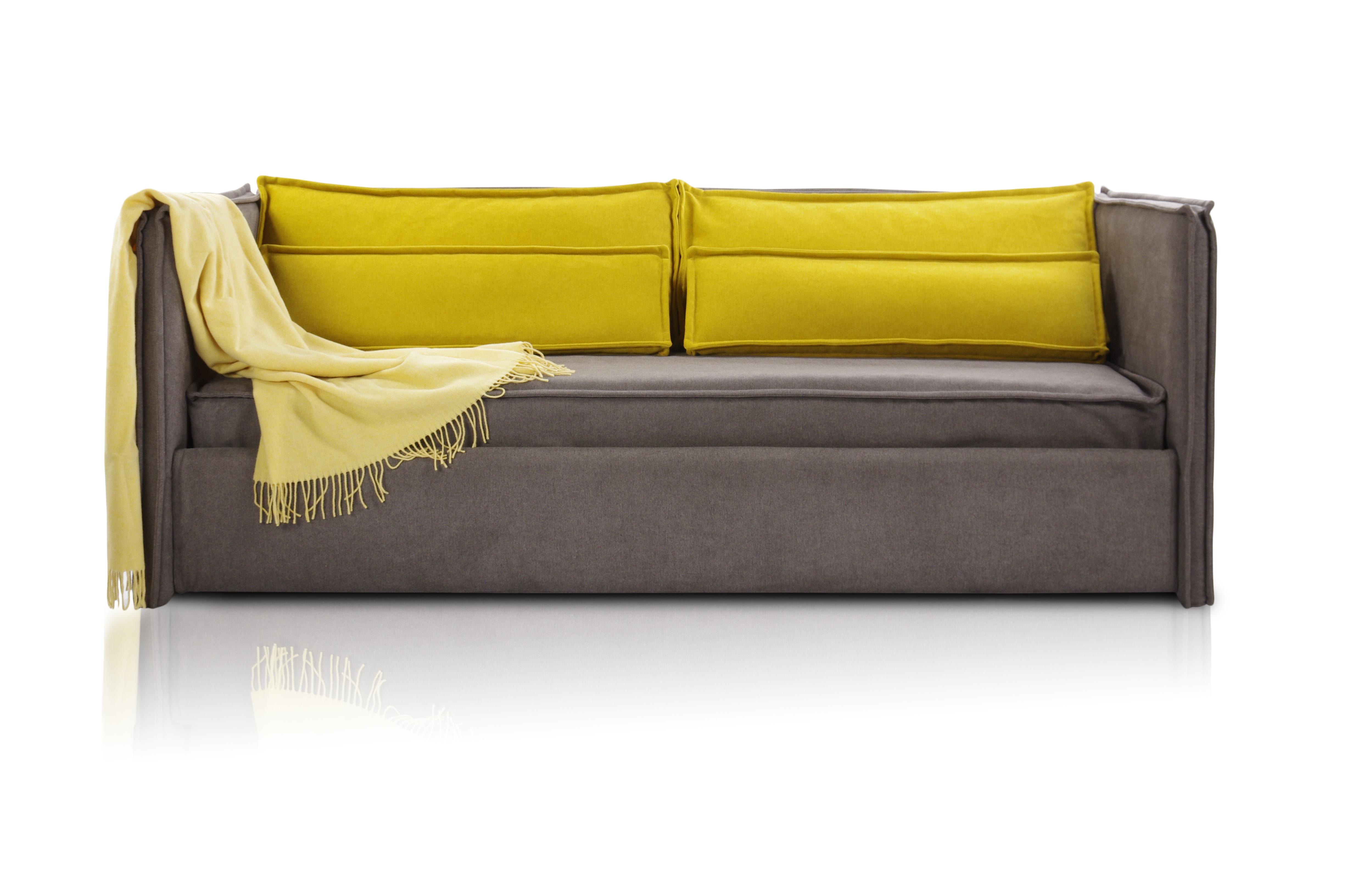Кровать-диван SoloПрямые раскладные диваны<br>Кровать-диван  «Solo».                                                                                                                                                                                                                                                                                                                                                                                                                                                                                                    Штатный размер посадочного и спального места 200х90<br>Ортопедическое основание  входит в комплект <br>Ортопедический матрас в комплекте.<br>Декоративные подушки входят в комплект поставки                                                                                                                                                                                                                                                                                                                                                                                                                                               Плед в комплект не входит<br>Элемент дизайна: отличается современным дизайном и высокой функциональностью. Он занимает мало места и способен вписаться в помещение,оформленное в любом стиле <br>Цвет коричневый ,велюр                                                                                                                                                                                                                                                                                                                                                                                                                                                                                                            Все чехлы съемные на липучках (можно чистить) &amp;amp;nbsp;&amp;lt;div&amp;gt;Плед в стоимость не &amp;amp;nbsp;входит&am