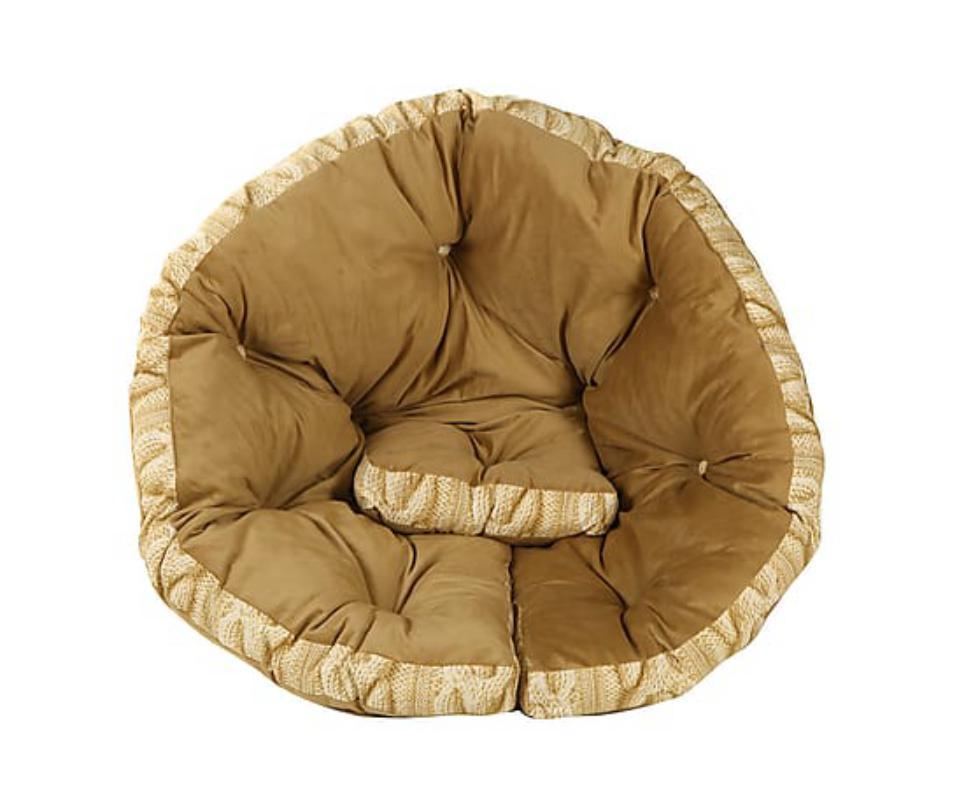 Кресло-футон СreamБесформенные пуфы<br>&amp;quot;Сream&amp;quot; ? кресло, вдохновленное традиционной постельной принадлежностью японцев. Одним движением его можно превратить в матрас-футон, отдых на котором становится еще более приятным. Этот предмет мебели очаровывает не только своей функциональностью, но и образом, полным домашнего уюта. Теплота, заключенная в палитре, округлых формах и непринужденной отделке, преобразит любой интерьер. Даже минималистичные и эклектичные пространства с таким креслом станут романтичными.<br><br>Material: Текстиль<br>Ширина см: 200<br>Высота см: 10<br>Глубина см: 100