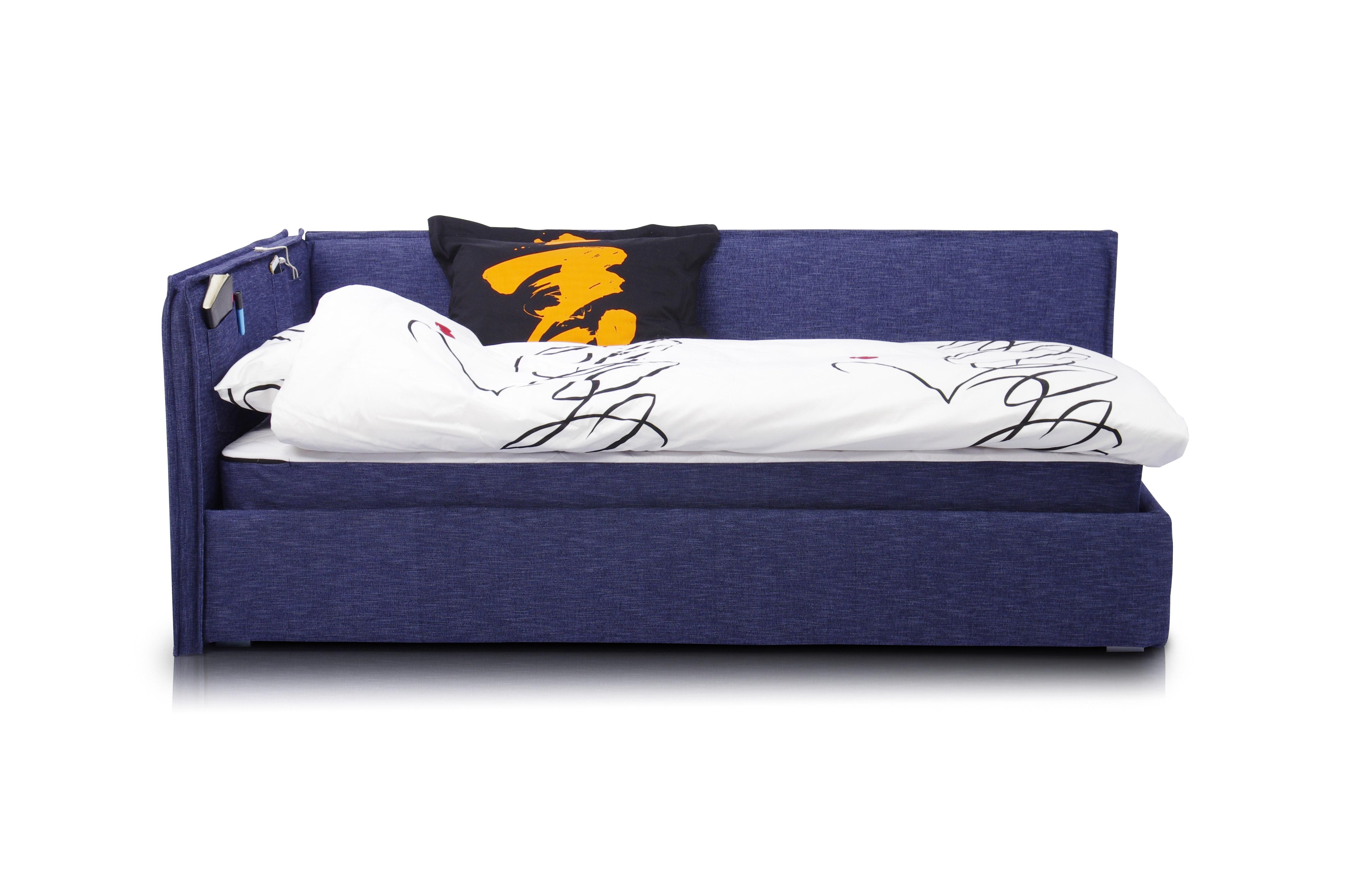 Кровать-диван SoloПрямые раскладные диваны<br>Кровать-диван  «Solo».                                                                                                                                                                                                                                                                                                                                                                                                                                                                                                    Штатный размер посадочного и спального места 200х120<br>Ортопедическое основание  входит в комплект <br>Ортопедический матрас в комплекте.<br>Элемент дизайна: отличается современным дизайном и высокой функциональностью. Он занимает мало места и способен вписаться в помещение,оформленное в любом стиле <br>Цвет синий Denim<br>Все чехлы съемные на липучках (можно чистить)&amp;amp;nbsp;&amp;lt;div&amp;gt;&amp;lt;br&amp;gt;&amp;lt;div&amp;gt;&amp;lt;br&amp;gt;&amp;lt;/div&amp;gt;&amp;lt;div&amp;gt;Опции:&amp;amp;nbsp;&amp;lt;/div&amp;gt;&amp;lt;div&amp;gt;Варианты спальных мест&amp;amp;nbsp;&amp;lt;/div&amp;gt;&amp;lt;div&amp;gt;200x90&amp;amp;nbsp;&amp;lt;/div&amp;gt;&amp;lt;div&amp;gt;190х90&amp;amp;nbsp;&amp;lt;/div&amp;gt;&amp;lt;div&amp;gt;200x100&amp;amp;nbsp;&amp;lt;/div&amp;gt;&amp;lt;div&amp;gt;190x100&amp;amp;nbsp;&amp;lt;/div&amp;gt;&amp;lt;div&amp;gt;190x120&amp;amp;nbsp;&amp;lt;/div&amp;gt;&amp;lt;div&amp;gt;&amp;lt;br&amp;gt;&amp;lt;/div&amp;gt;&amp;lt;div&amp;gt;Возможна установка подъемного механизма.&amp;amp;nbsp;&amp;lt;/div&amp;gt;&amp;lt;div&amp;gt;Цены на опции уточняйте у менеджеров.&amp;lt;/div&amp;gt;&amp;lt;div&amp;gt;Подушка, одеяло, постельное белье и дополнительные предметы в комплект не входят&amp;lt;/div&amp;gt;&amp;lt;/div&amp;gt;<br><br>Material: Текстиль<br>Ширина см: 210<br>Высота см: 90<br>Глубина см: 130
