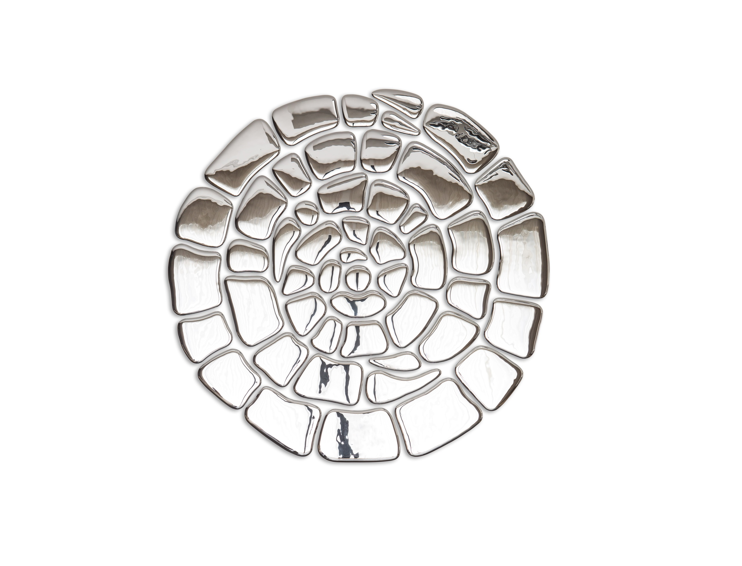 Композиция Спираль SilverПанно<br>Бесспорный символ бесконечности, собранный из зеркальных элементов отражает истинную сущность происходящего. С древнейших времен люди используют символ спирали в декоративных узорах и росписях. В современном мире спираль все также популярна. Символ круговорота в природе. Символ бесконечности бытия. Можно дать сотню толкований этому символу. Но один факт остается бесспорным: Спираль, состоящая из зеркальных элементов — это, красиво, стильно и необычно. Зеркальные элементы крепятся к поверхности с помощью клея. Клей в комплекте не идет. Есть трафарет.<br><br>Material: Стекло<br>Depth см: 1<br>Height см: None<br>Diameter см: 130