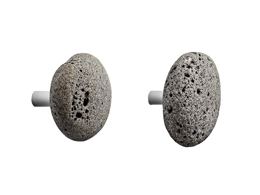 Крючки StoneКрючки<br>Каждый крючок сделан из настоящего камня и поэтому отличается по форме и размеру. В среднем диаметр 7 см. Используйте подходящие для вашего типа стены крепления. В наборе два крючка.<br><br>Material: Дерево<br>Ширина см: 5<br>Высота см: 17<br>Глубина см: 10