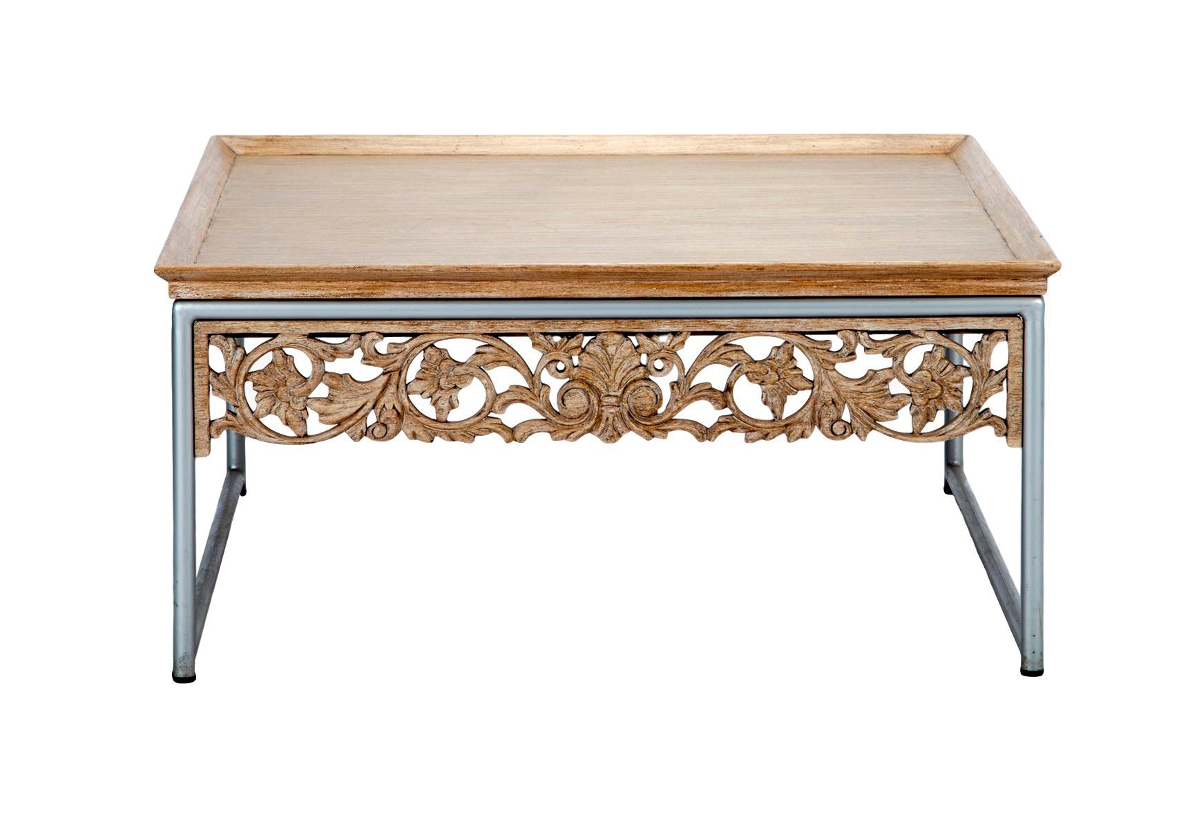 Стол кофейный МодернКофейные столики<br>Стол кофейный на металлическом основании,столешница из натурального дерева,декорирована резьбой.<br><br>Material: Дерево