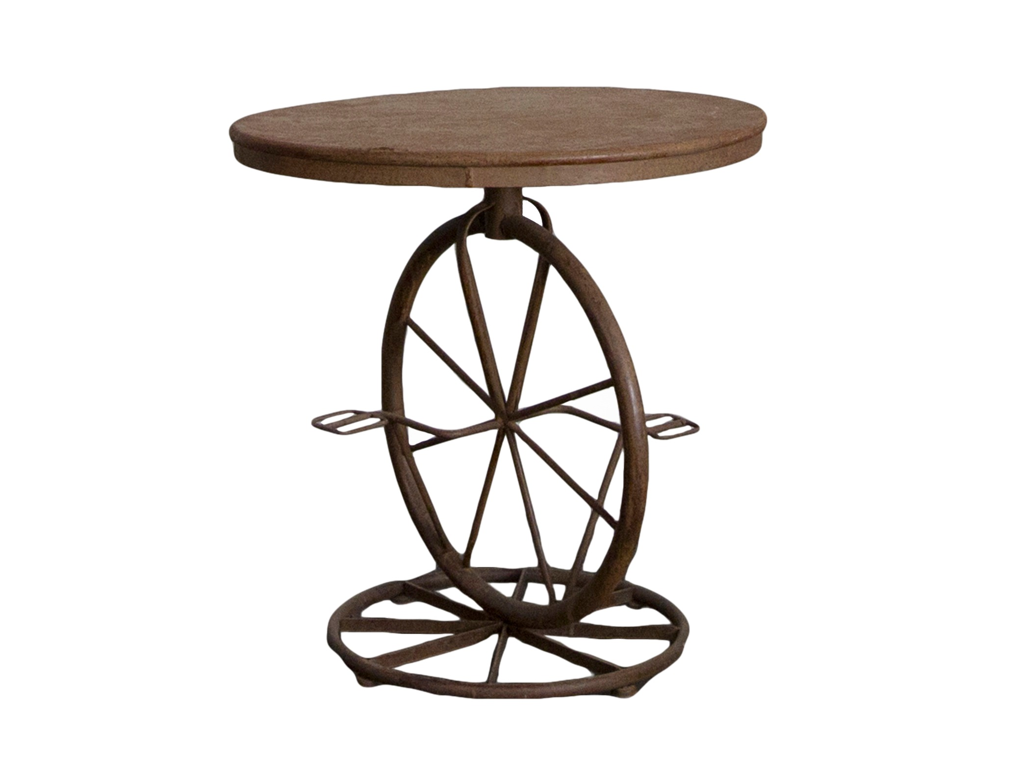 СтолСтолы и столики для сада<br>Состаренный железный столик на декоративной ножке , в виде колес.<br><br>Material: Железо<br>Высота см: 71