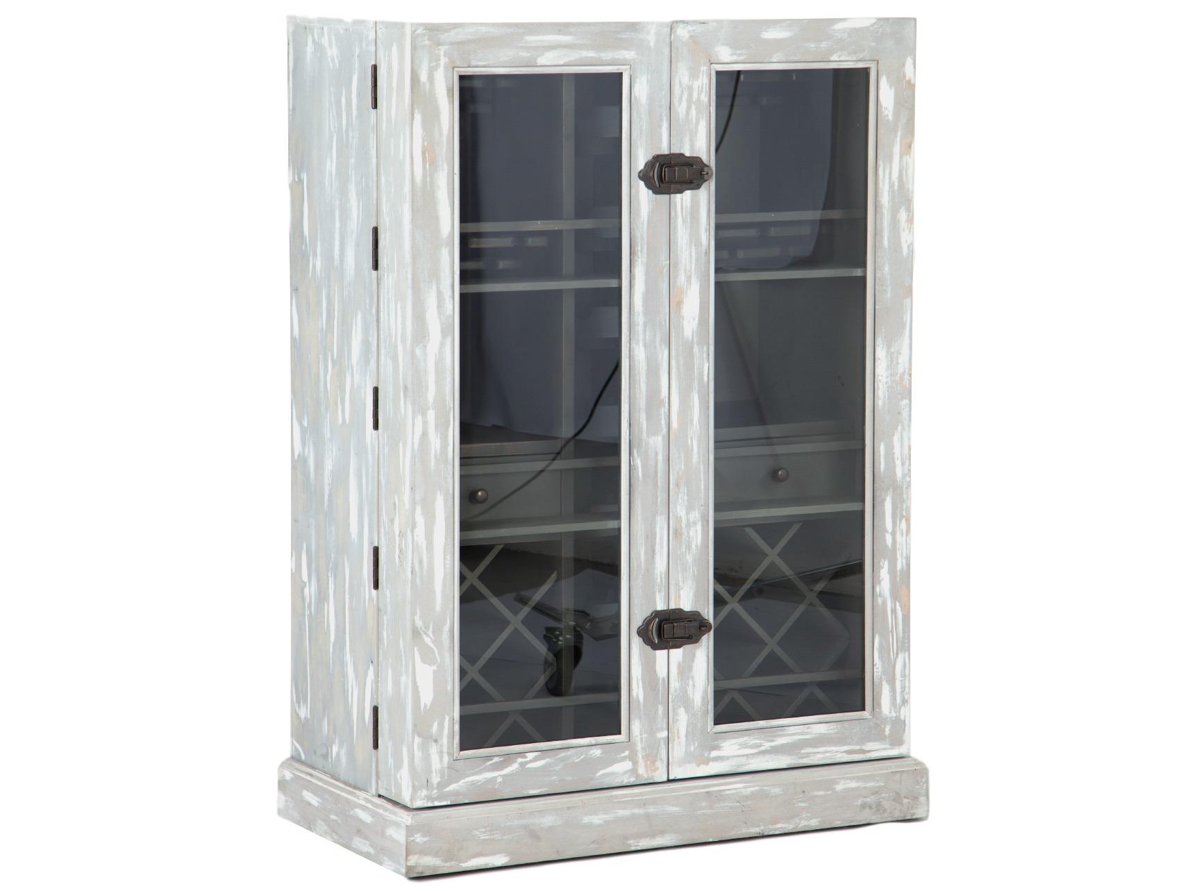 Винный шкафВинные шкафы<br>Шкаф-бар с множеством отделений для вин и держателей для бокалов, передвижной на колесиках. Внутри два выдвижных ящика. Дверцы со стеклом имеют полочки и распахиваются на 180 градусов.<br><br>Material: Дерево<br>Ширина см: 94<br>Высота см: 131<br>Глубина см: 50