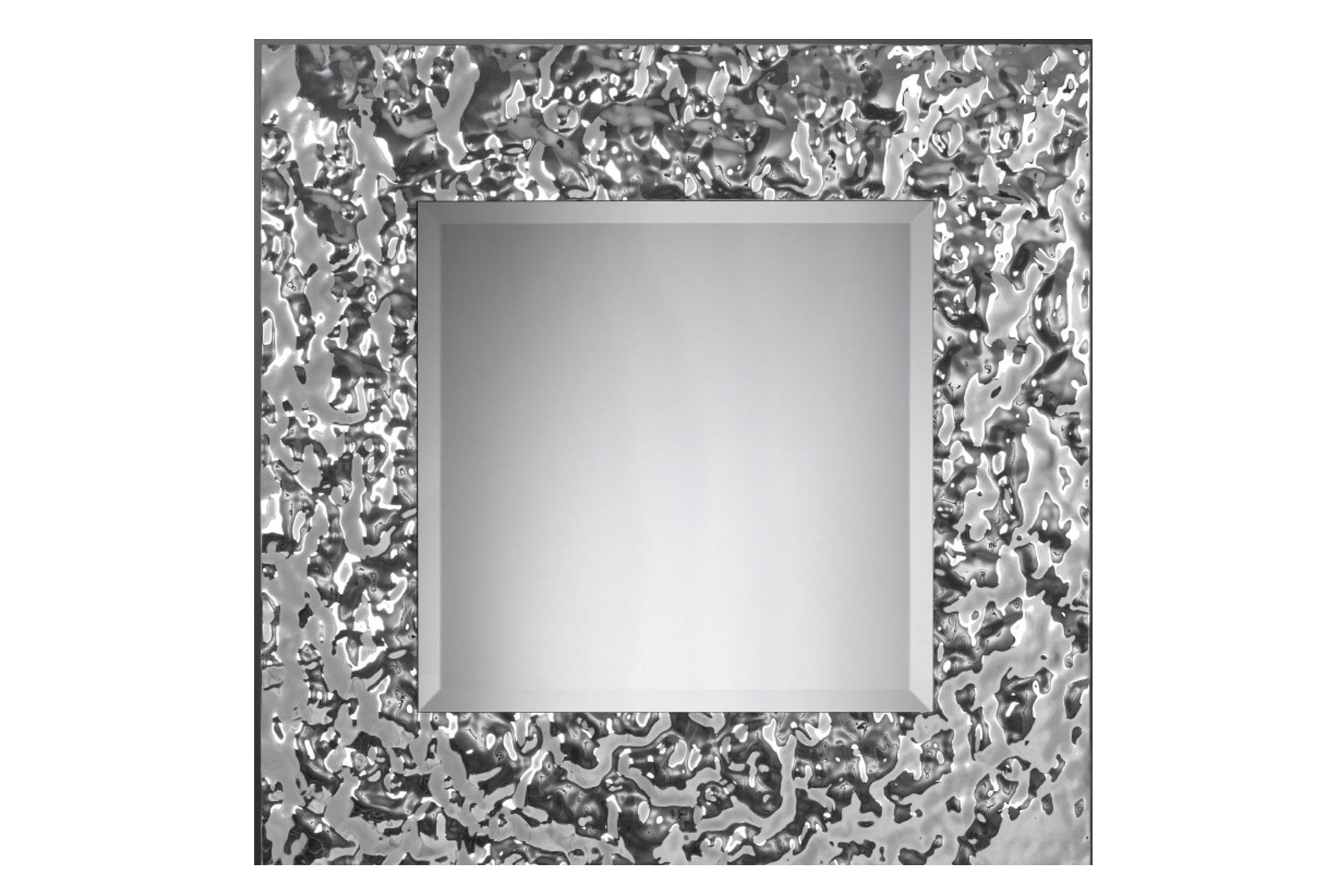 Зеркало Квадрат AquaНастенные зеркала<br>Квадратное зеркало в величественном обрамлении из стекла легко станет предметом гордости в вашем доме. Зеркало само по себе – уже эффектный декор. А уж если это, квадратное зеркало от Plusobject, то речь идет об уникальном продукте талантливых дизайнеров — братьев Фомичевых.  Обрамление зеркала имитирует поверхность воды, застывшую на долю секунды .  Зеркало в собранном виде и в комплекте есть крепления.<br><br>Material: Стекло<br>Глубина см: 5