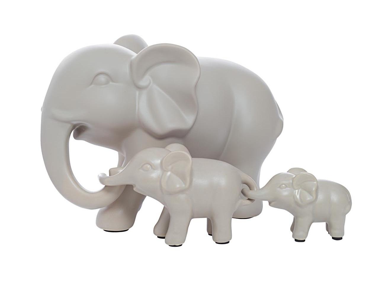 Статуэтка Набор слонов (3 шт)Статуэтки<br>В комплекте три статуэтки: 25х13х17, 14.5х6.5х8, 14.5х6.5х8<br><br>Material: Керамика<br>Ширина см: 25<br>Высота см: 17<br>Глубина см: 13
